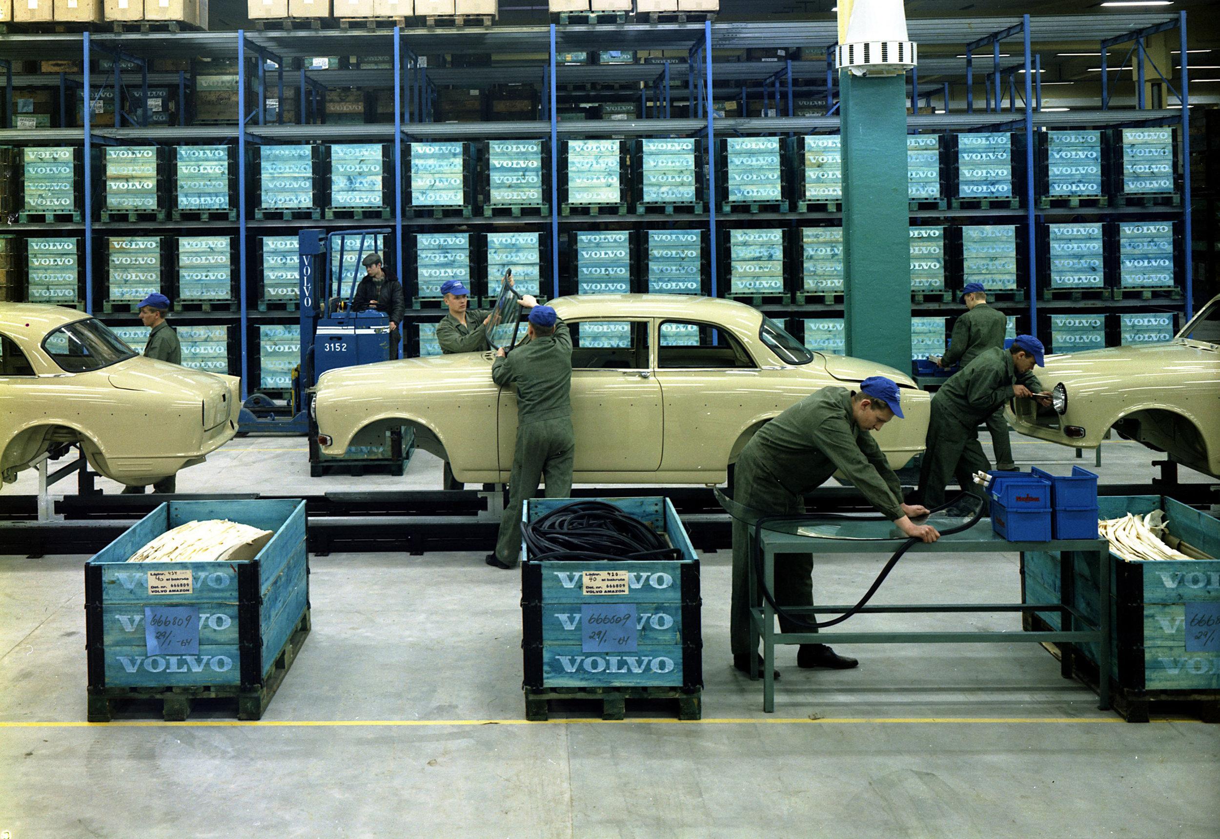 195264_Volvo_121_Amazon.jpg