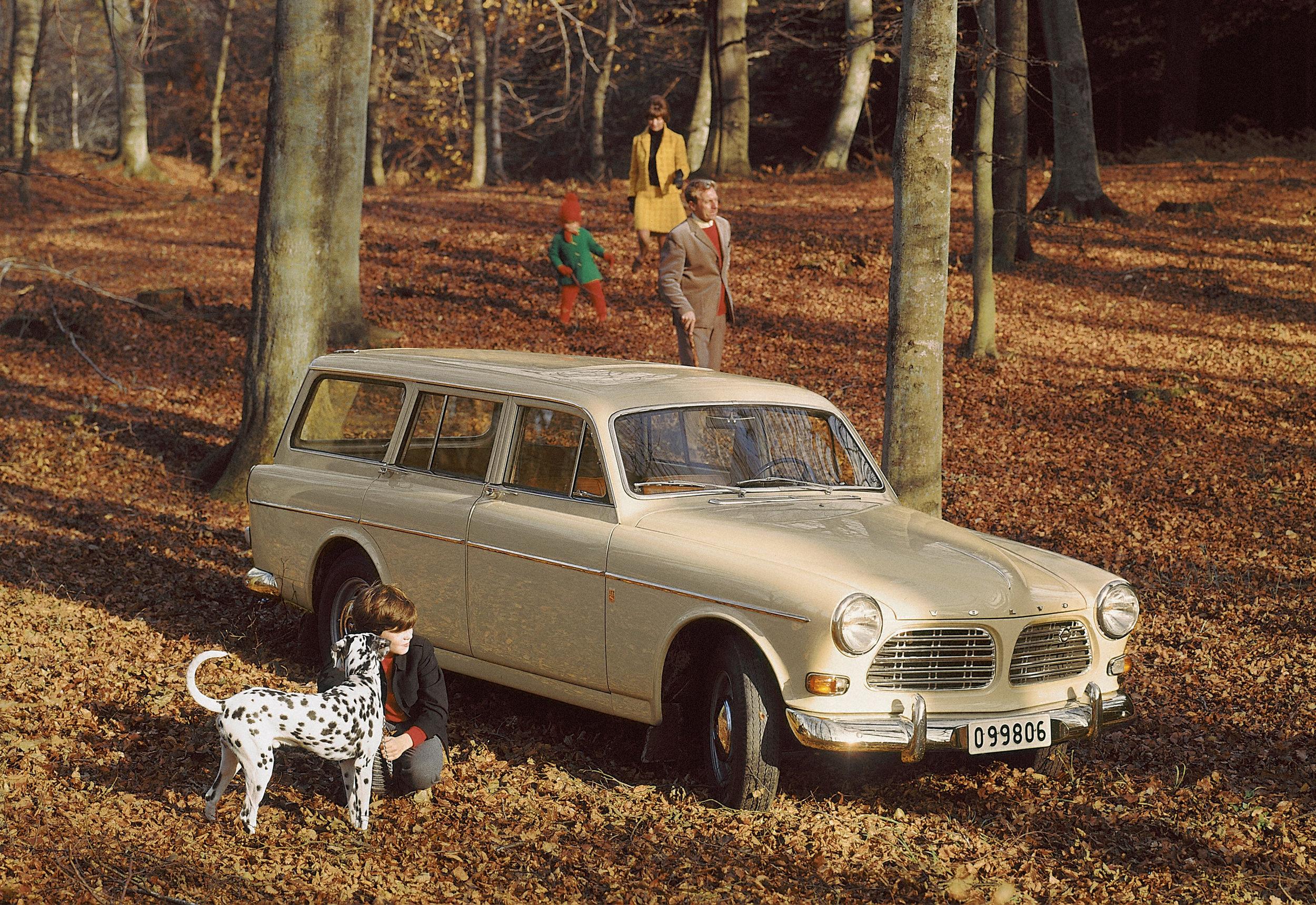 5741_Volvo_P220_Amazon.jpg