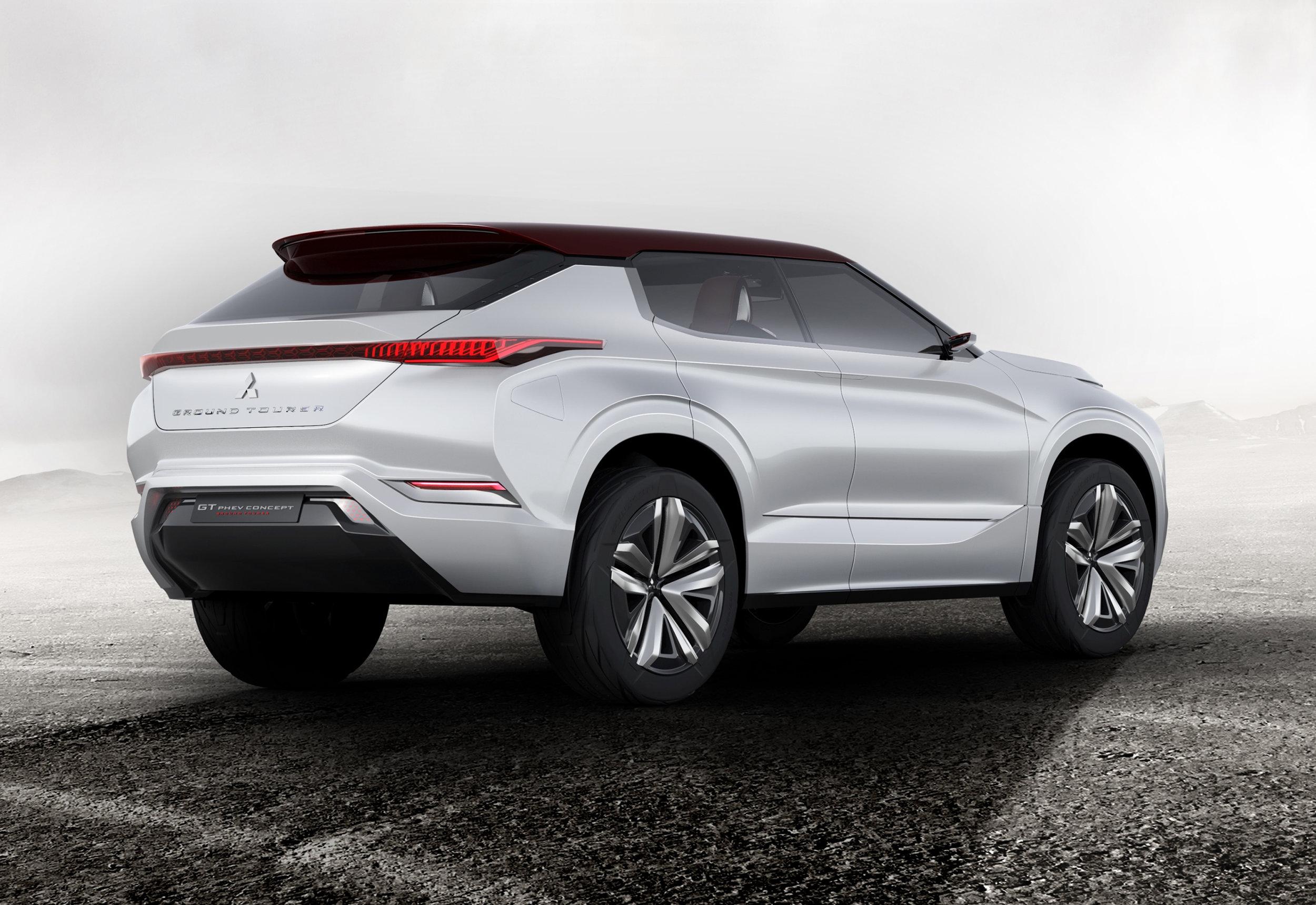 2World-Premiere-of-Ground-Tourer-SUV-Mitsubishi-GT-PHEV-Concept.jpg