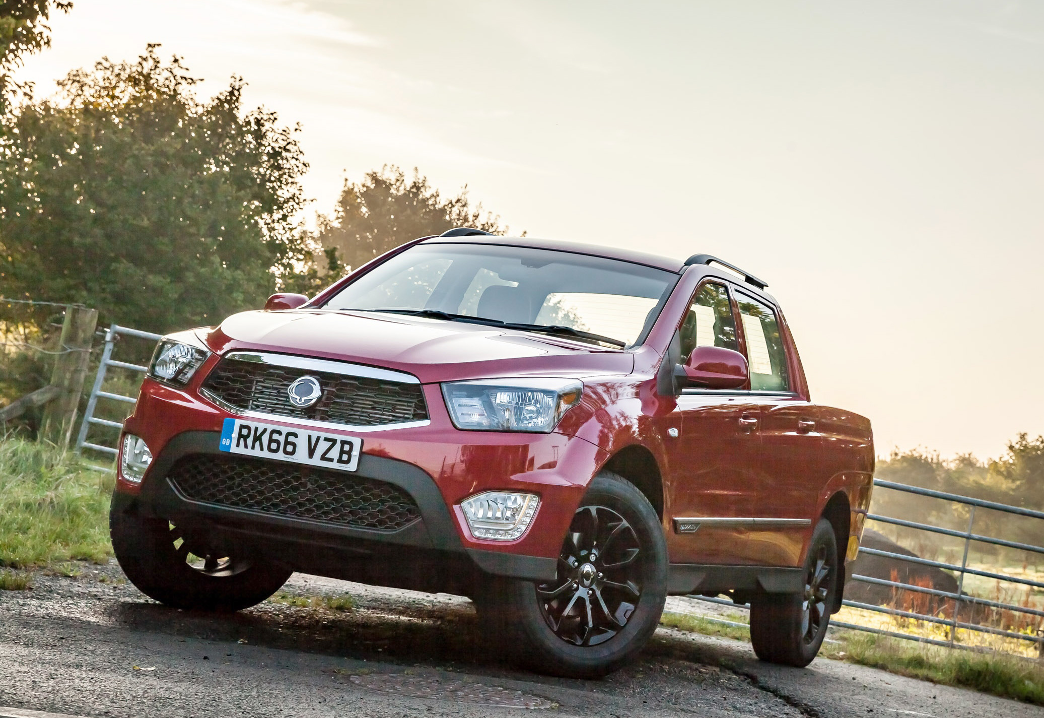 SsangYong_Musso_pick-up-2.jpg