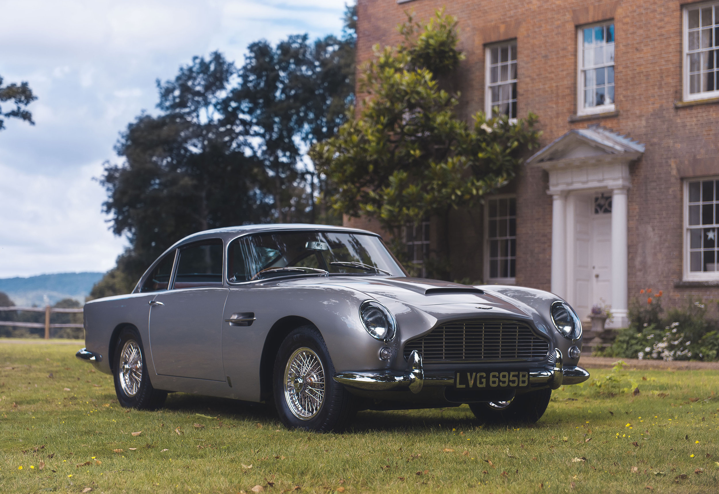 1964 Aston Martin DB5 sold by Coys for ?825,000 on Vero with Apple Pay_1.JPG