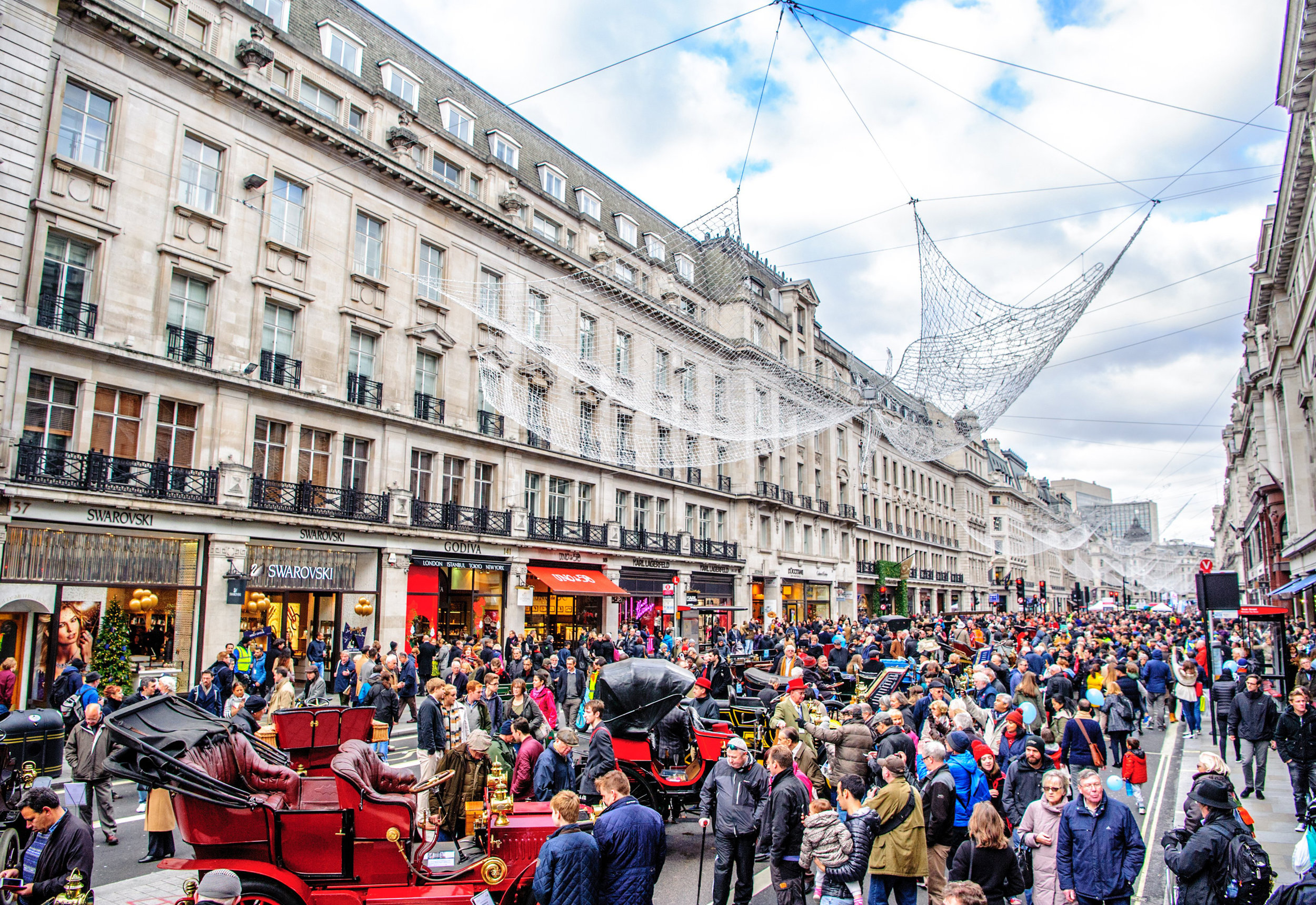 Huge-crowds-for-Regent-Street-Motor-Show.jpg