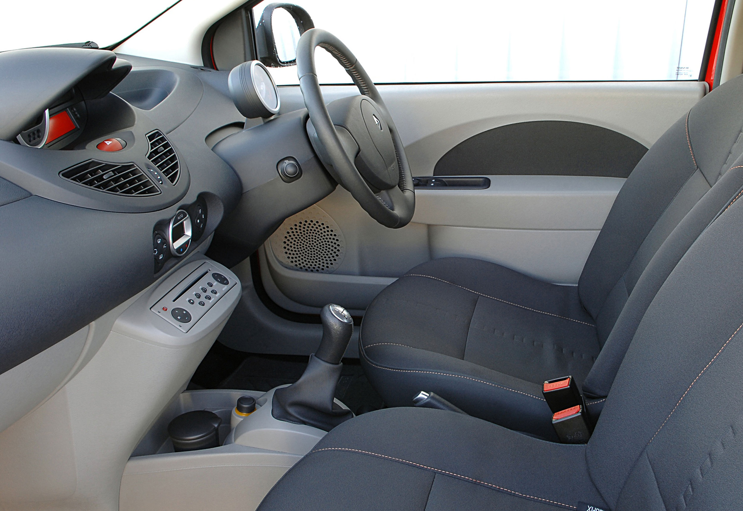 Renault-Twingo-13.jpg