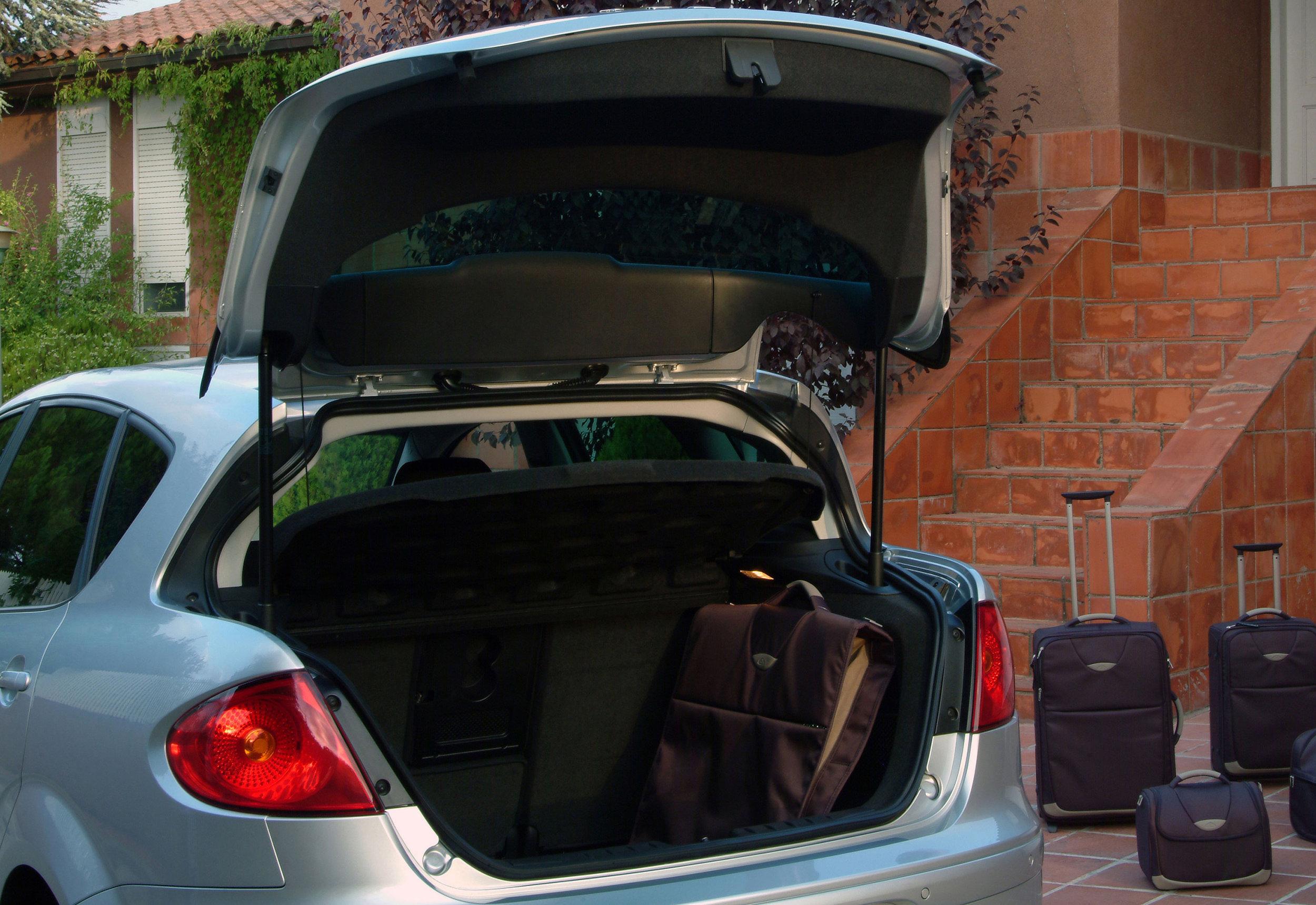 Seat-Toledo-05.jpg