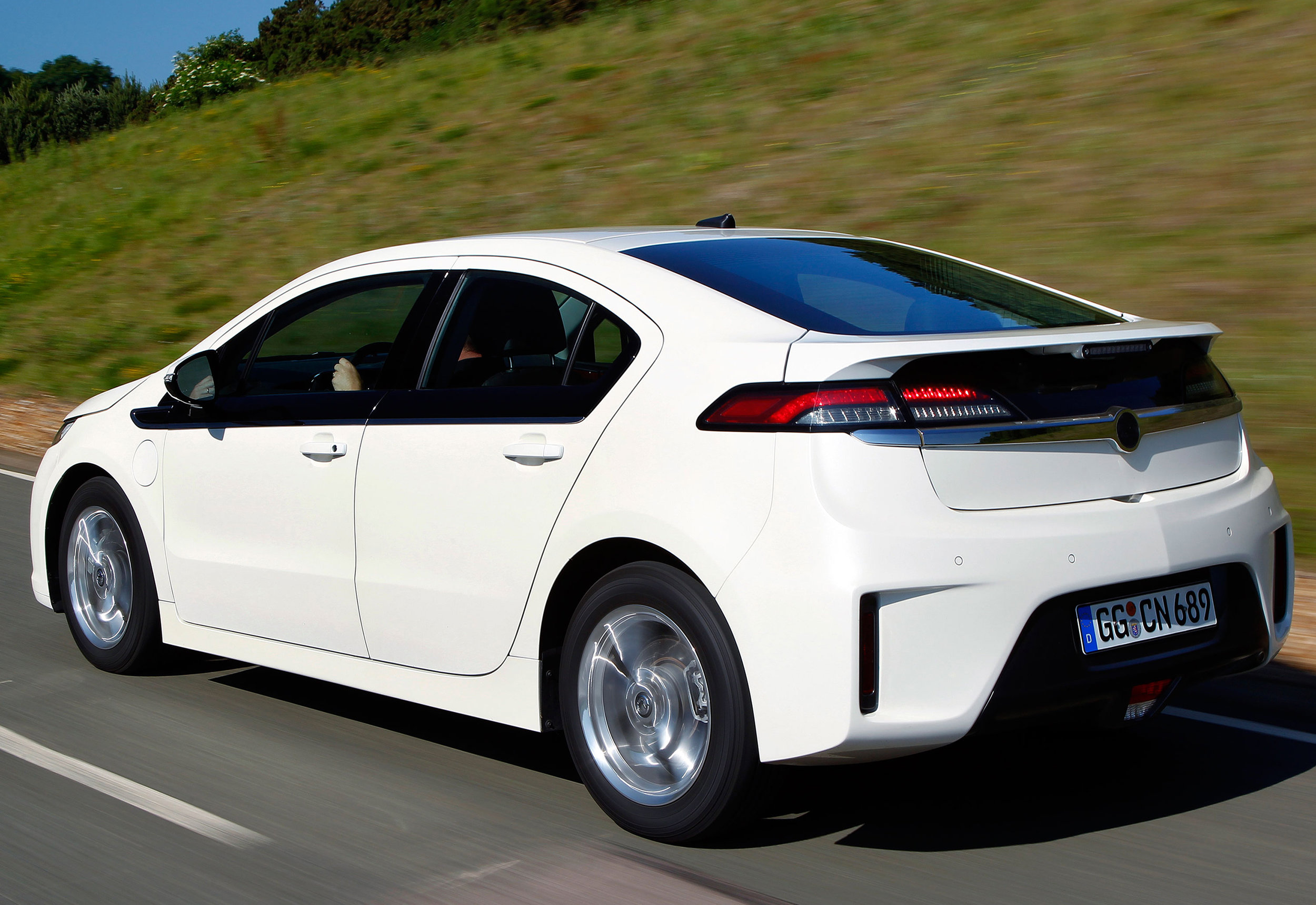 Vauxhall-Ampera-06.jpg