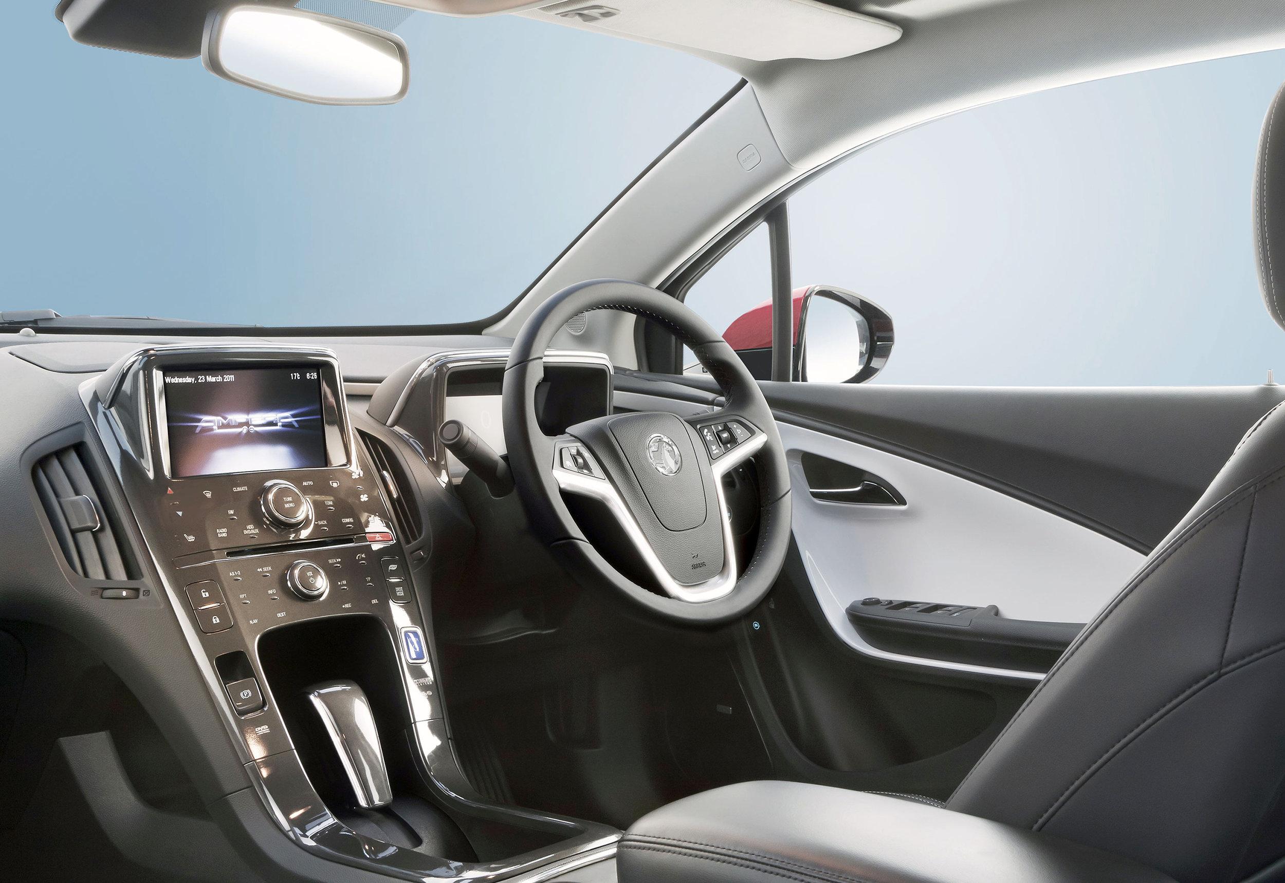Vauxhall-Ampera-10.jpg