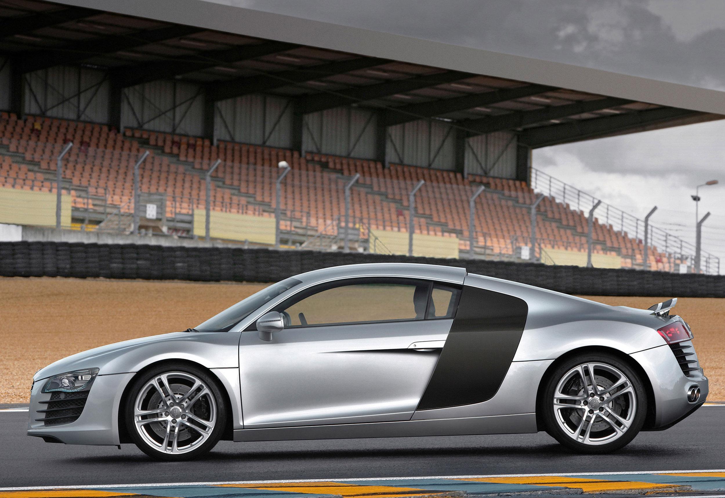 Audi R8 MkI 03.jpg