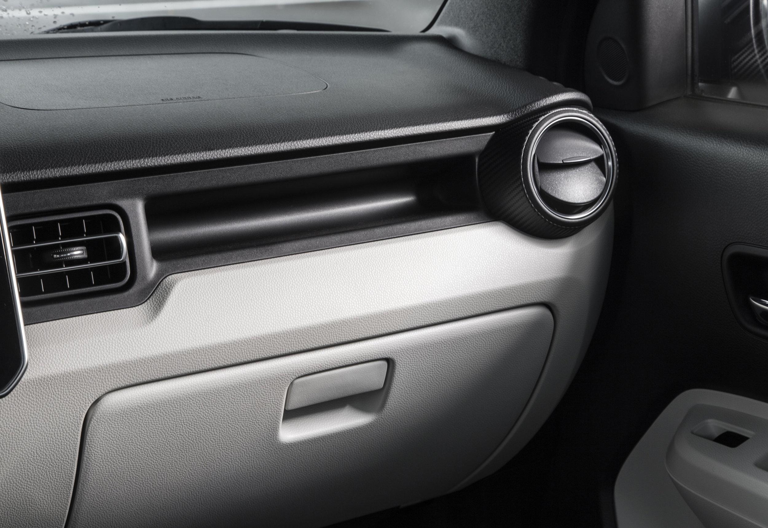 Interior---Dash_Glove-Box.jpg