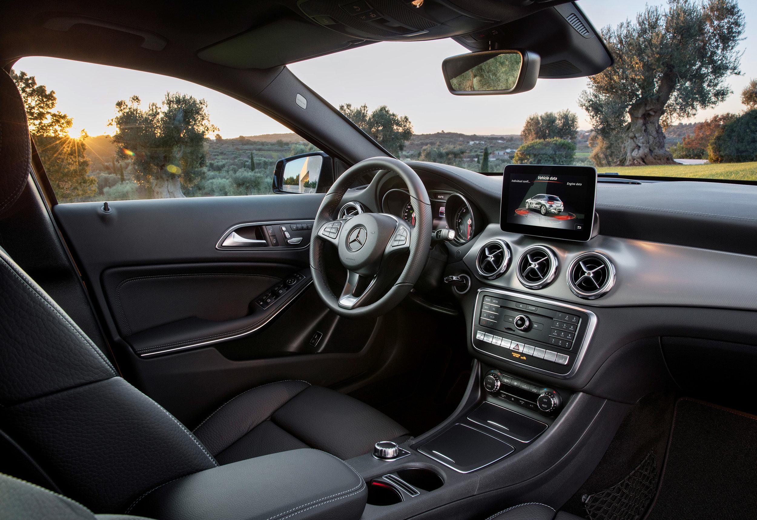 Mercedes-Benz-GLA-int.jpg