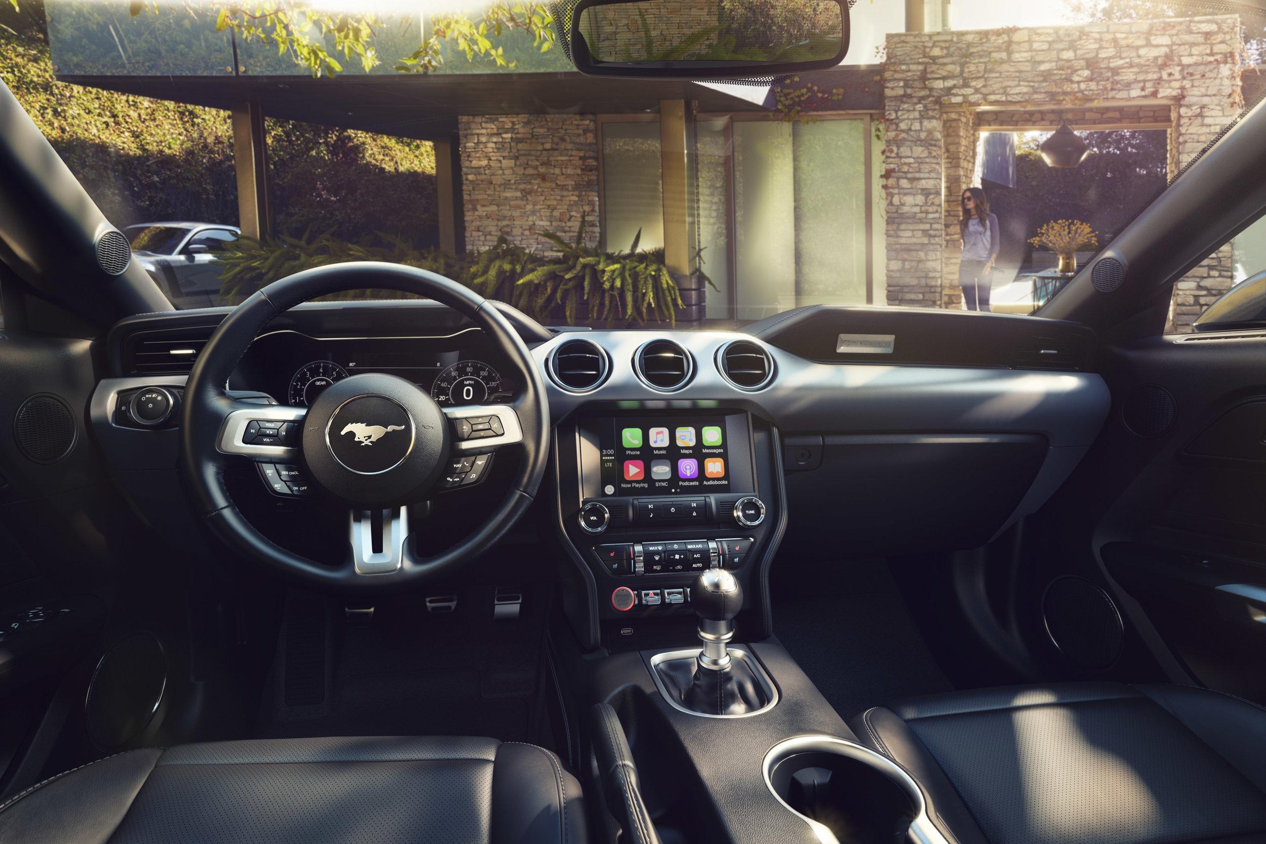 New-Ford-Mustang-Interior 1.jpg