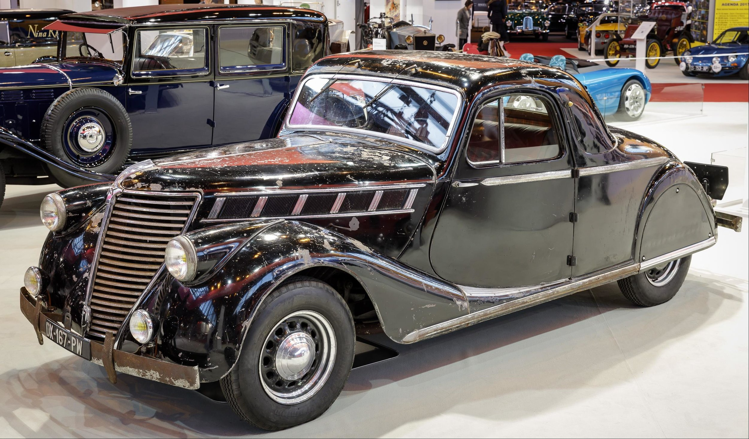 Renault_Viva_Grand_Sport_Coupé_1939_at_Retromobile_2017_(1).jpg