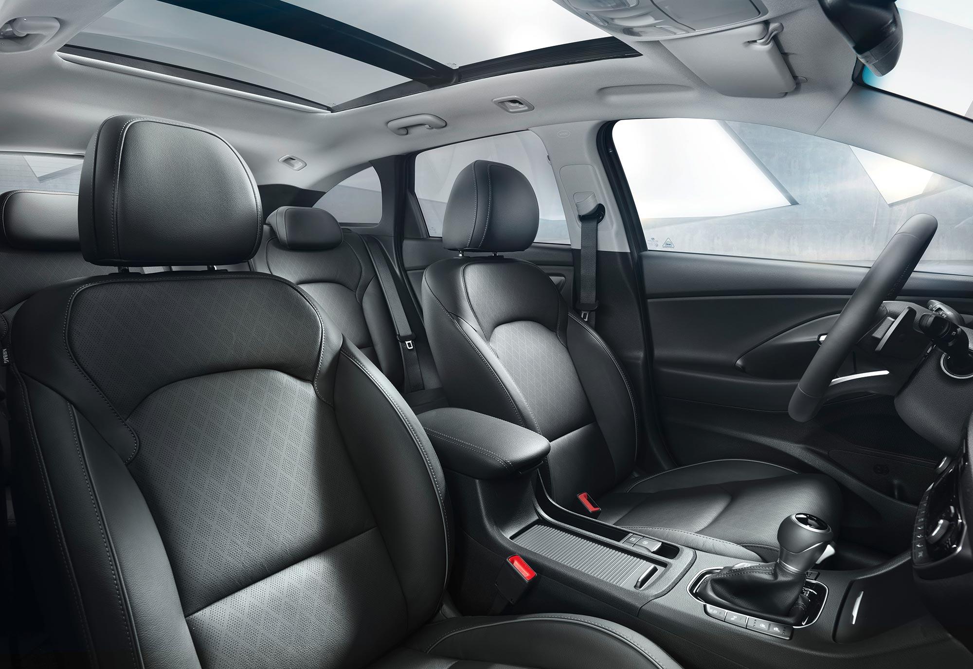 i30-wagon-interior-(1).jpg