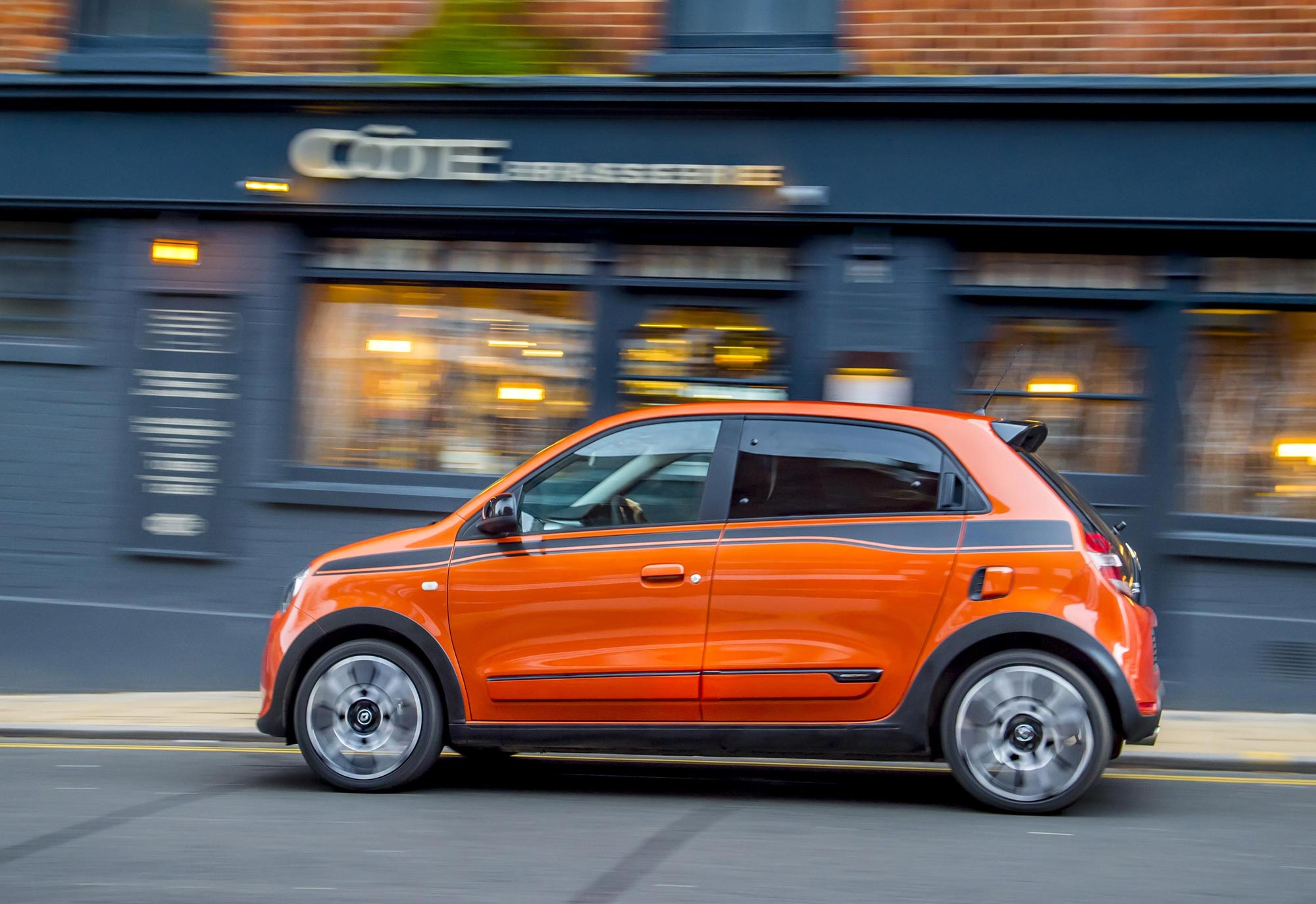 Renault_Twingo_GT_-_UK_-_Dec_2016_(48).JPG