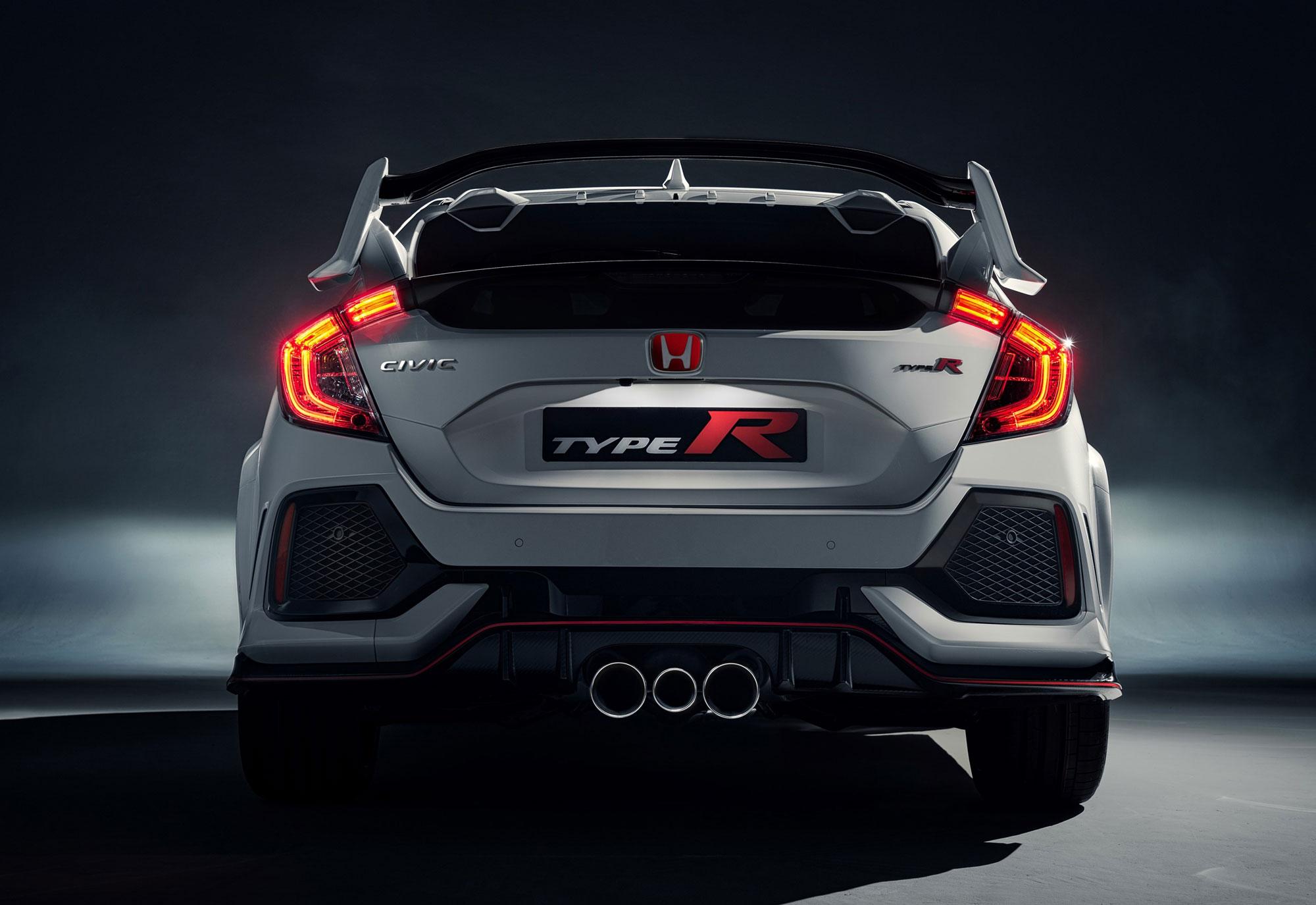 104501_All_new_Honda_Civic_Type_R_races_into_view_at_Geneva.jpg
