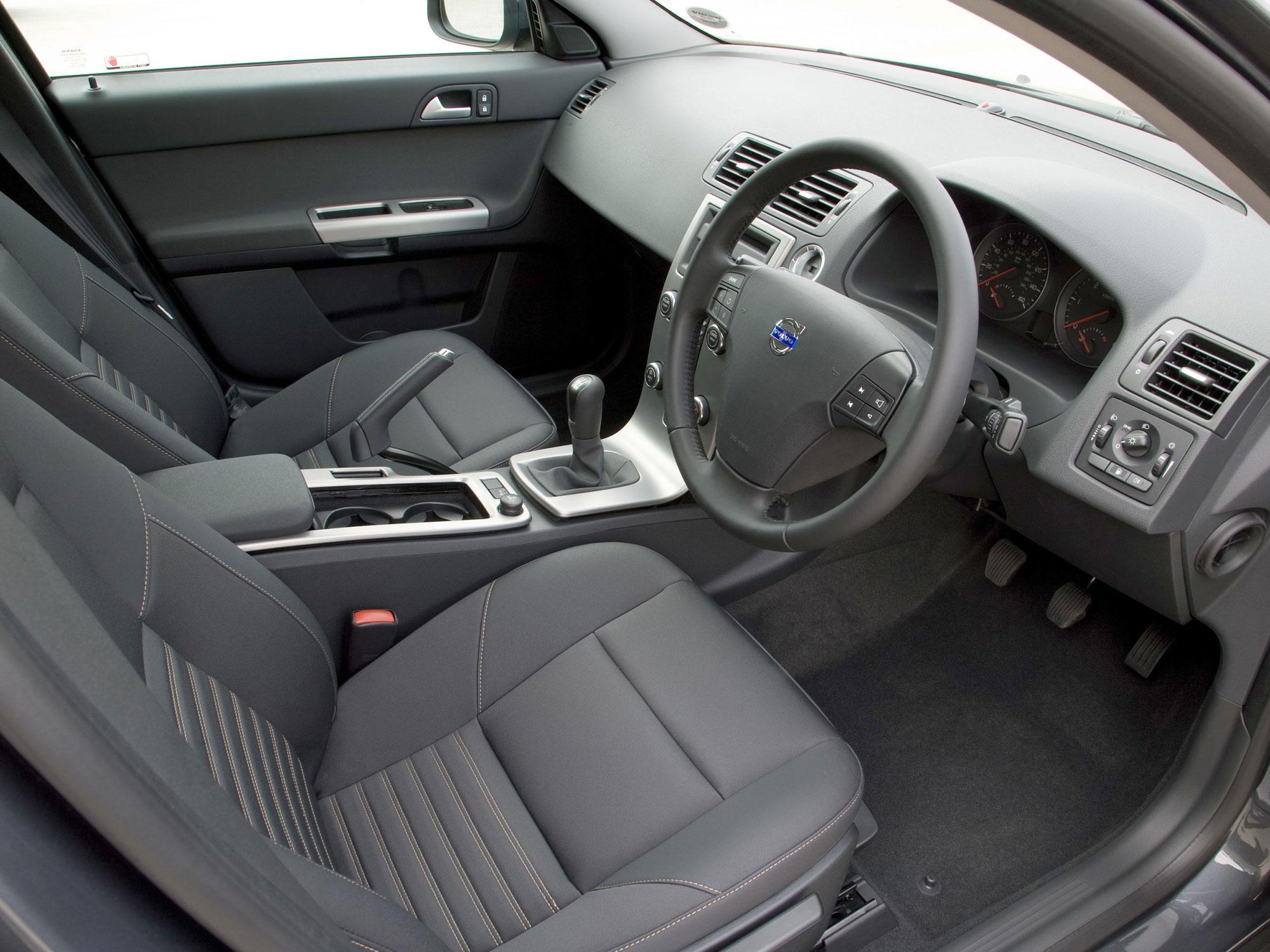 Volvo-C30-08.jpg