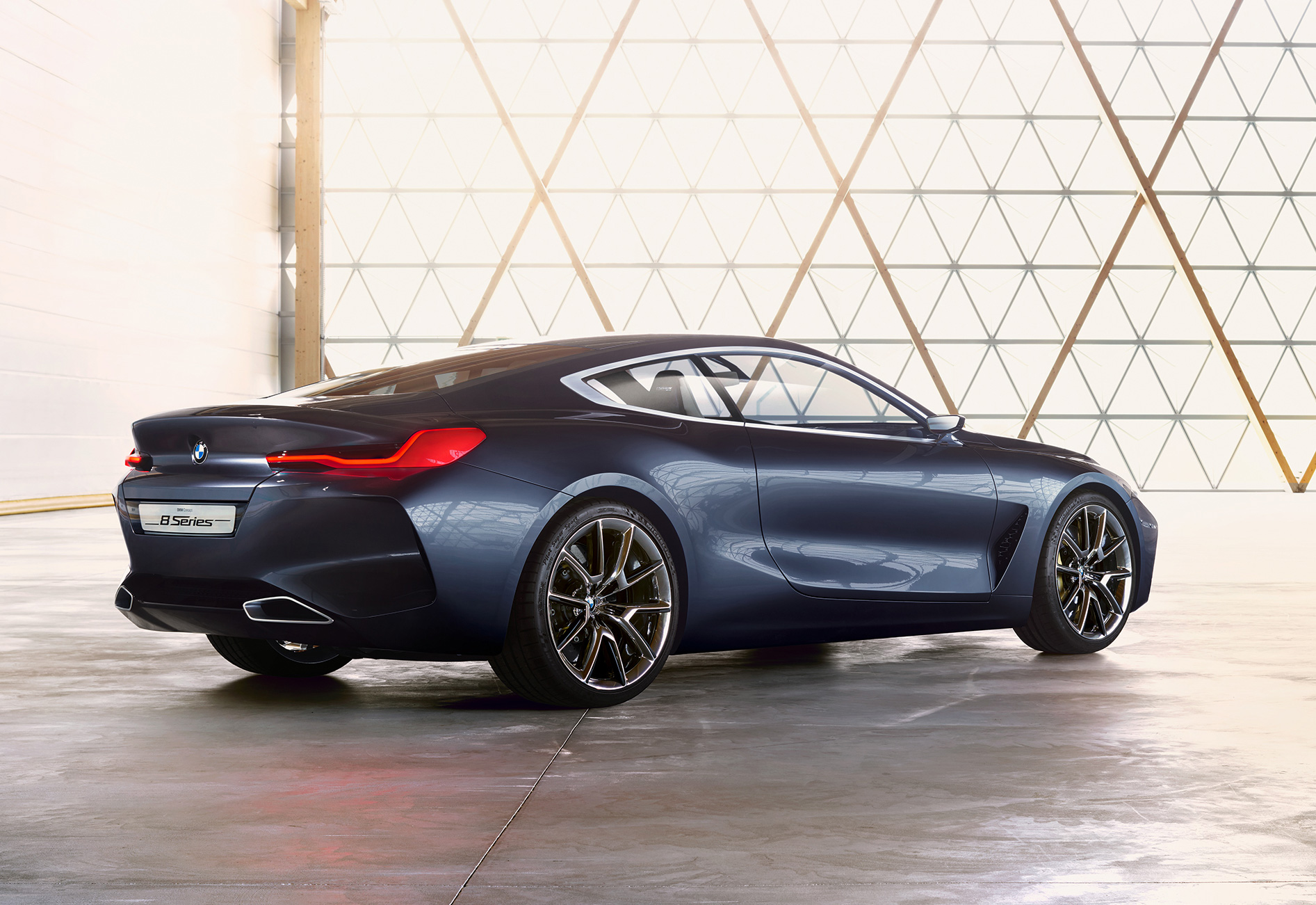 P90260636_highRes_bmw-concept-8-series.jpg