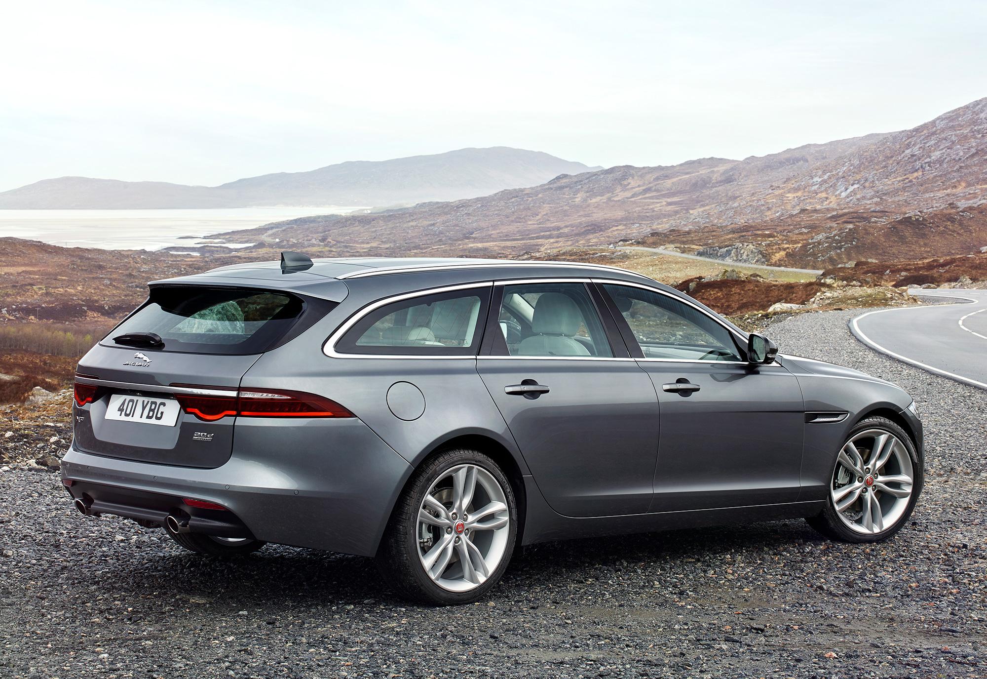 Jaguar_XF-Sportbrake_Location_Exterior_140617_11.jpg