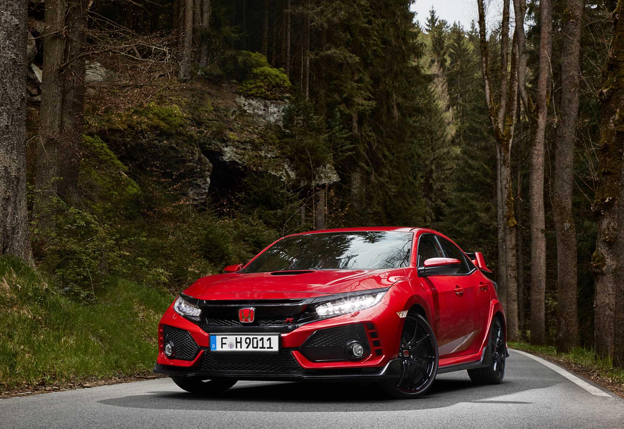 2017-Honda-Civic-Type-R-(20).jpg