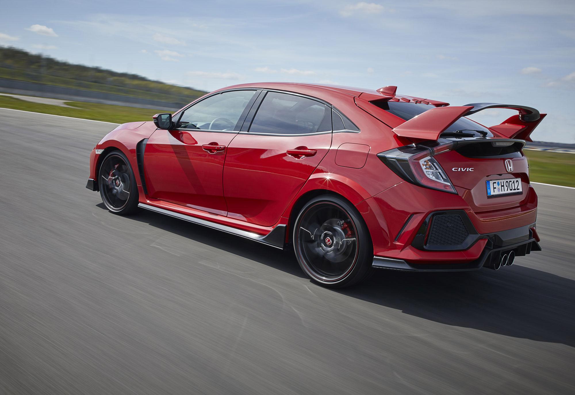 2017-Honda-Civic-Type-R-(9).jpg
