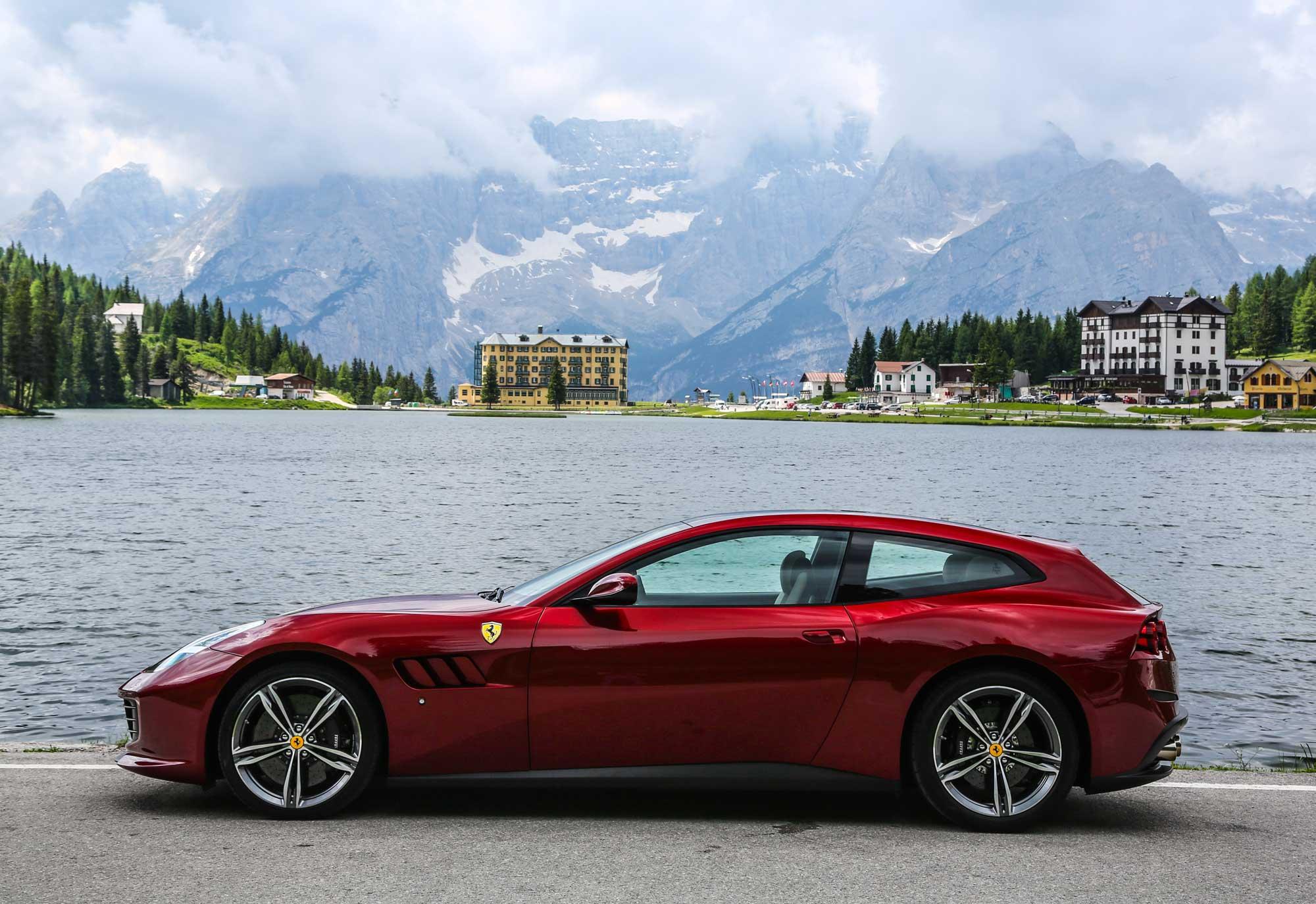 160492-car_Ferrari-GTC4Lusso.jpg