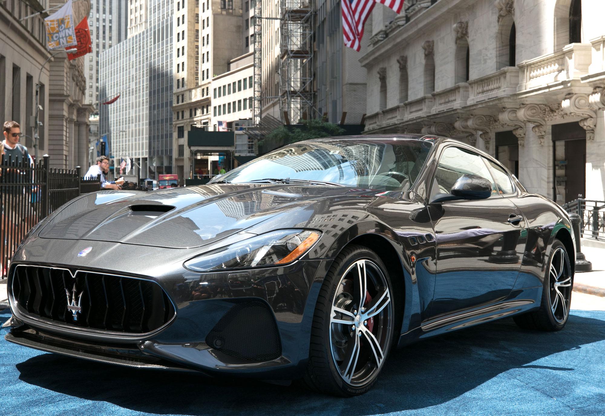 Maserati-GranTurismo-MC-MY18-at-New-York-Stock-Exchange_2017_2.jpg