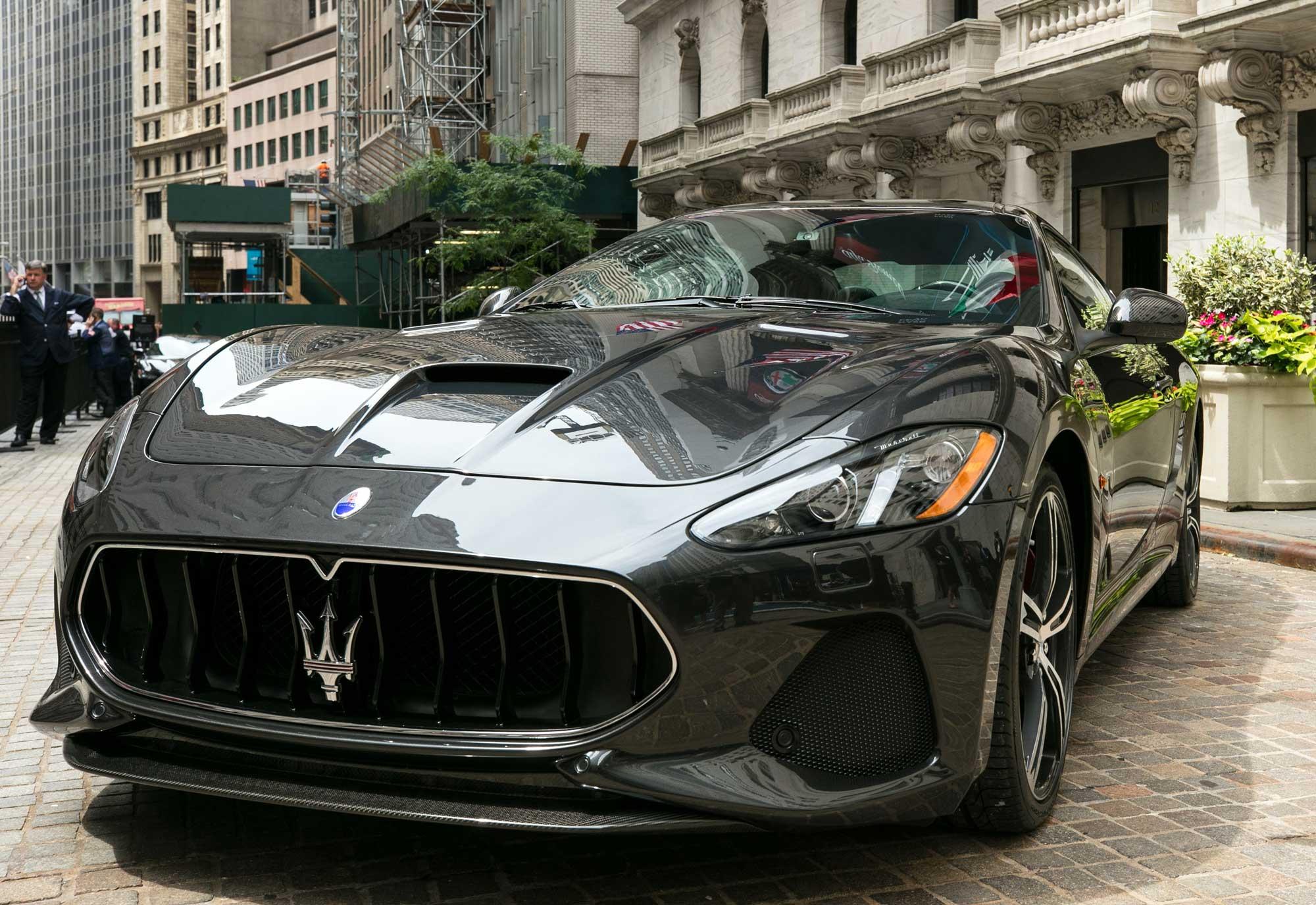 Maserati-GranTurismo-MC-MY18-at-New-York-Stock-Exchange_2017_1.jpg