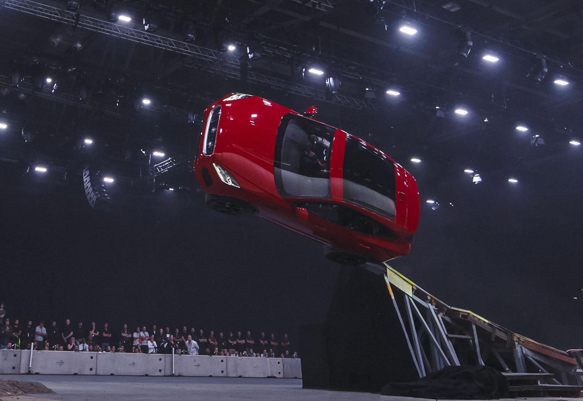 Jaguar-E-PACE-launch_002.jpg