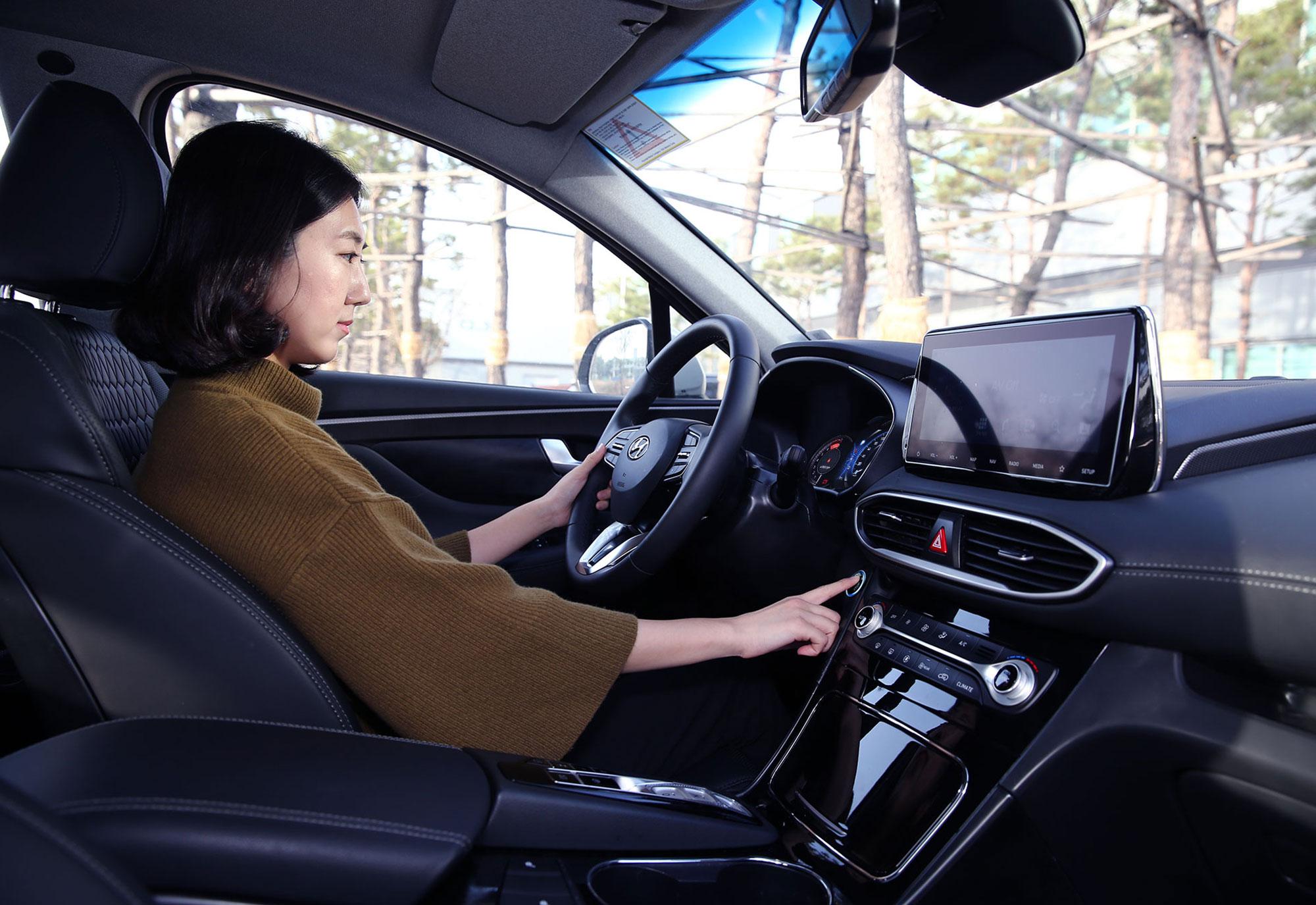 Hyundai-fingerprint-technology_press-photo3.jpg