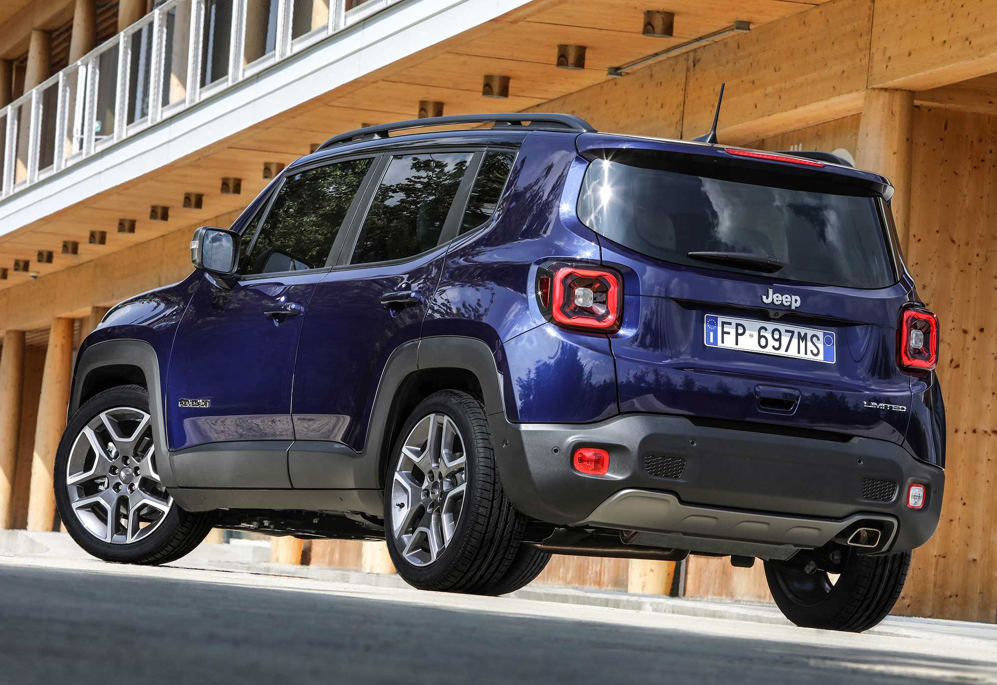 New-Jeep-Renegade-MY19_LIMITED-(15).jpg