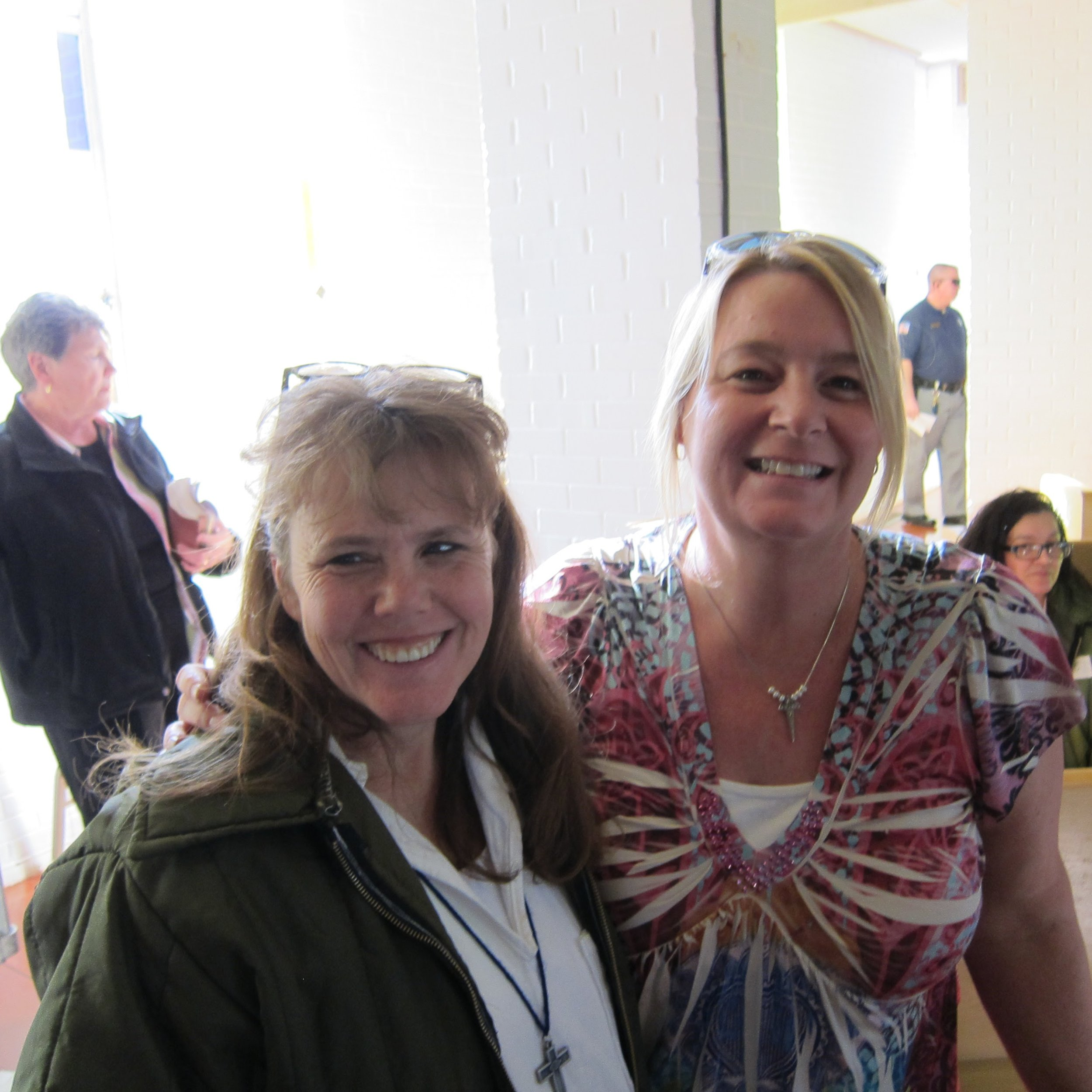 Laura and Jean at Mountain View.JPG