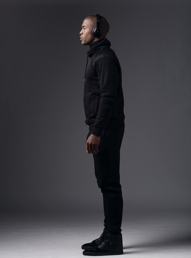 SAM1501_AYGEMANG_STUDIO_BLACK_OUTFIT_BIG_HOODY_020515_0138_RETOUCHED