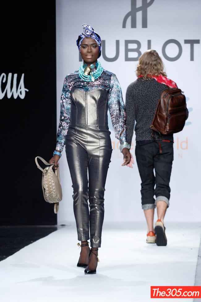 runwade-show-fashion-shots-2390