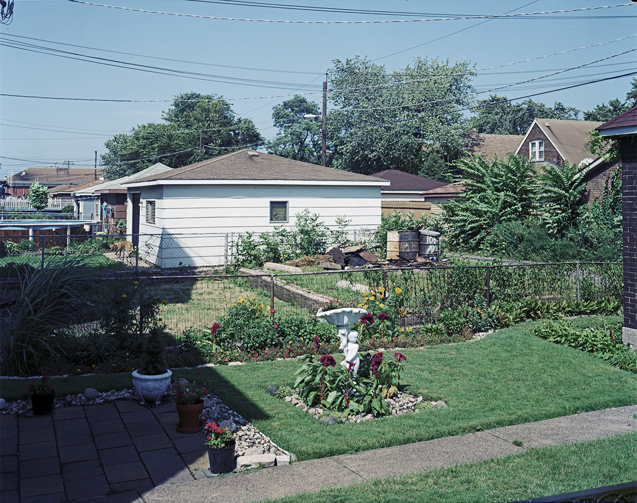 BackyardsEastSideChicago1987.jpg