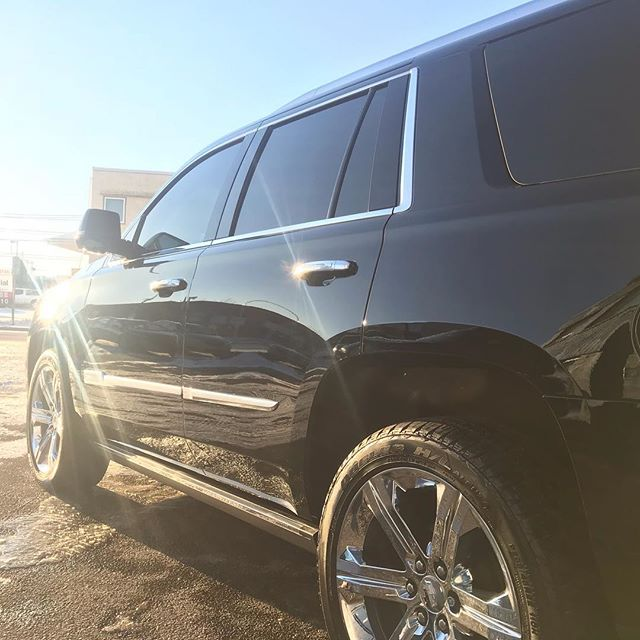 Cadillac Escalade in for a polish + ceramic coating! #mingshine #detailingdoneright #autodetailing #albertatrucks #yegtrucks #ceramicprotection #nomoreswirls #winterprotection
