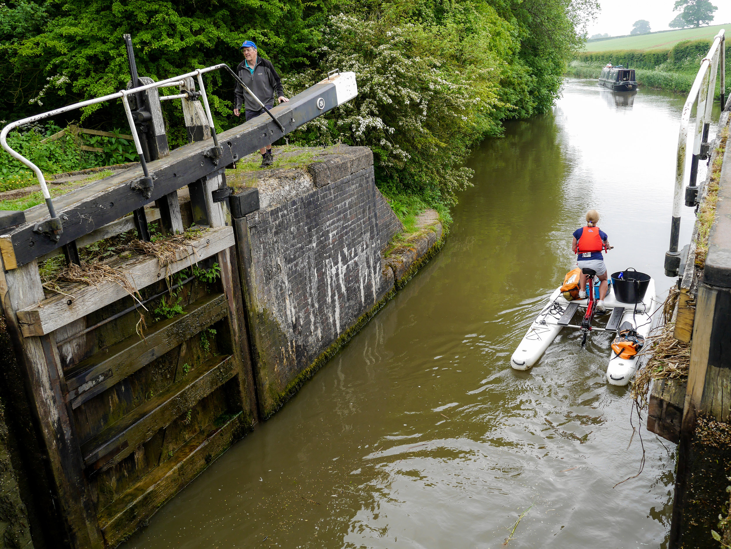 Pauline Cornthwaite leaves a lock on the Leicester Canal