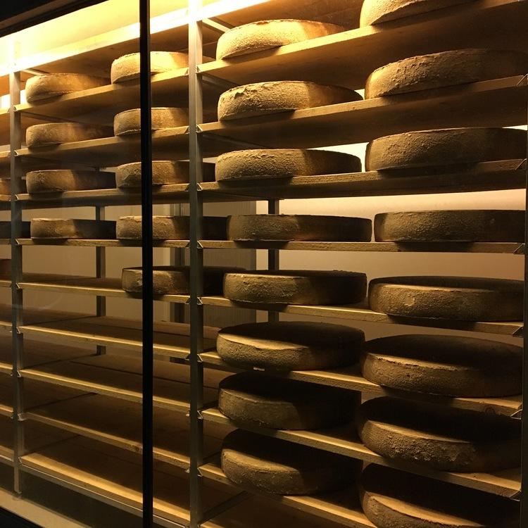 Wilder Käser cheese production