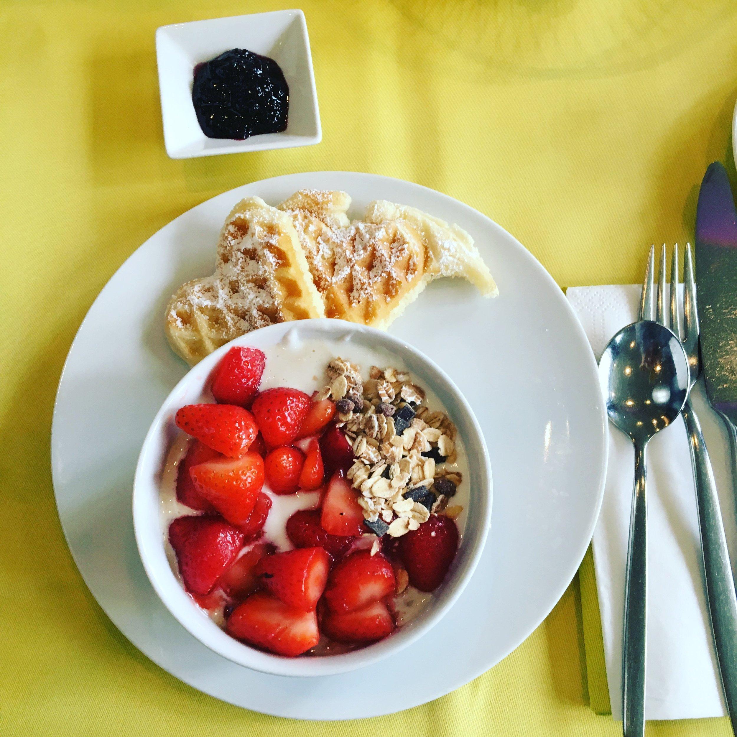 Breakfast at Cerês.jpg