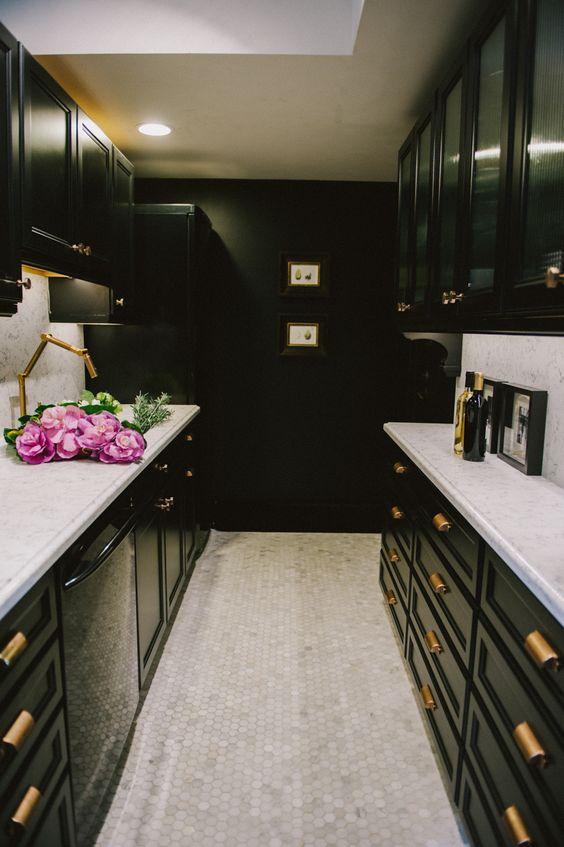 Black Kitchen.jpg