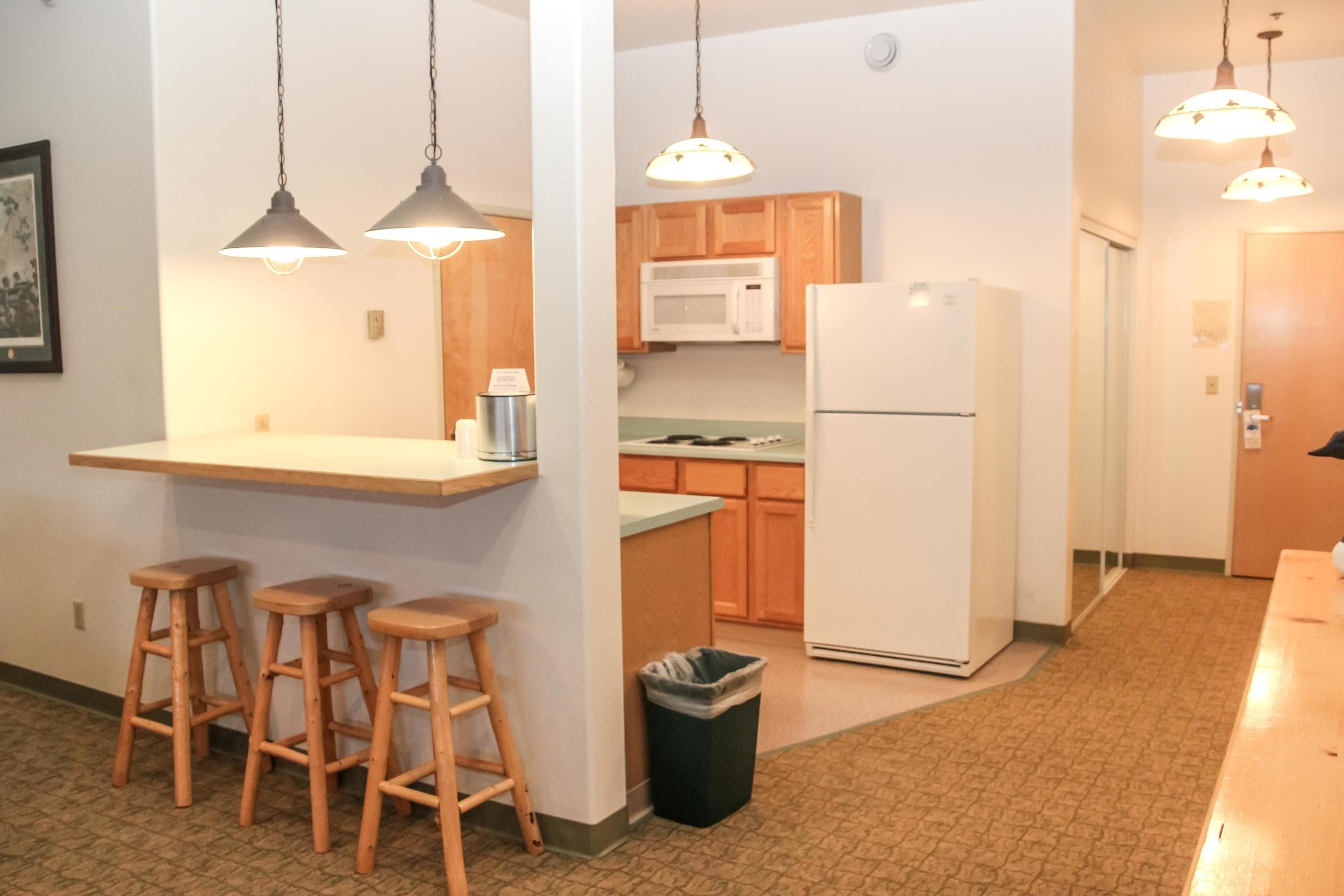 kingeider rooms presidential kitchen.jpg