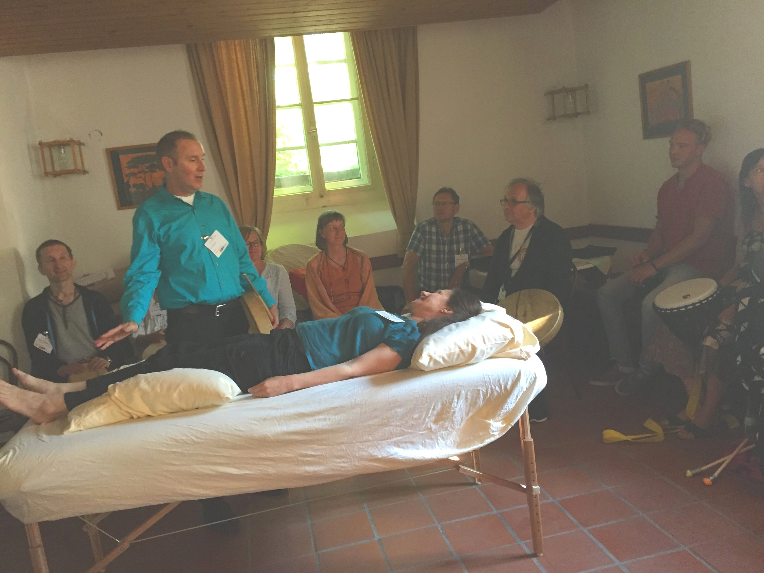Teaching a Chinese medicine drum healing course at the 2017 TCM Kongress in Rothenburg, Germany.