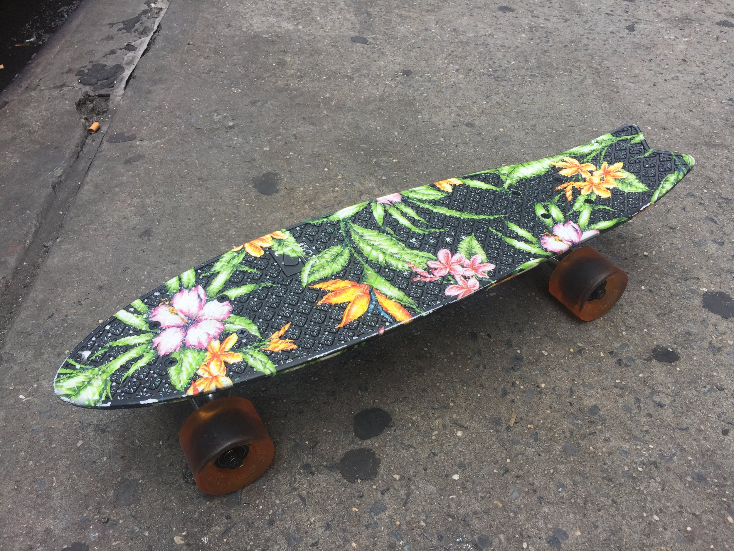 "SKATEBOARD 8 TOP  BLACK W/ TROPICAL PRINT 23"" IN LENGTH"