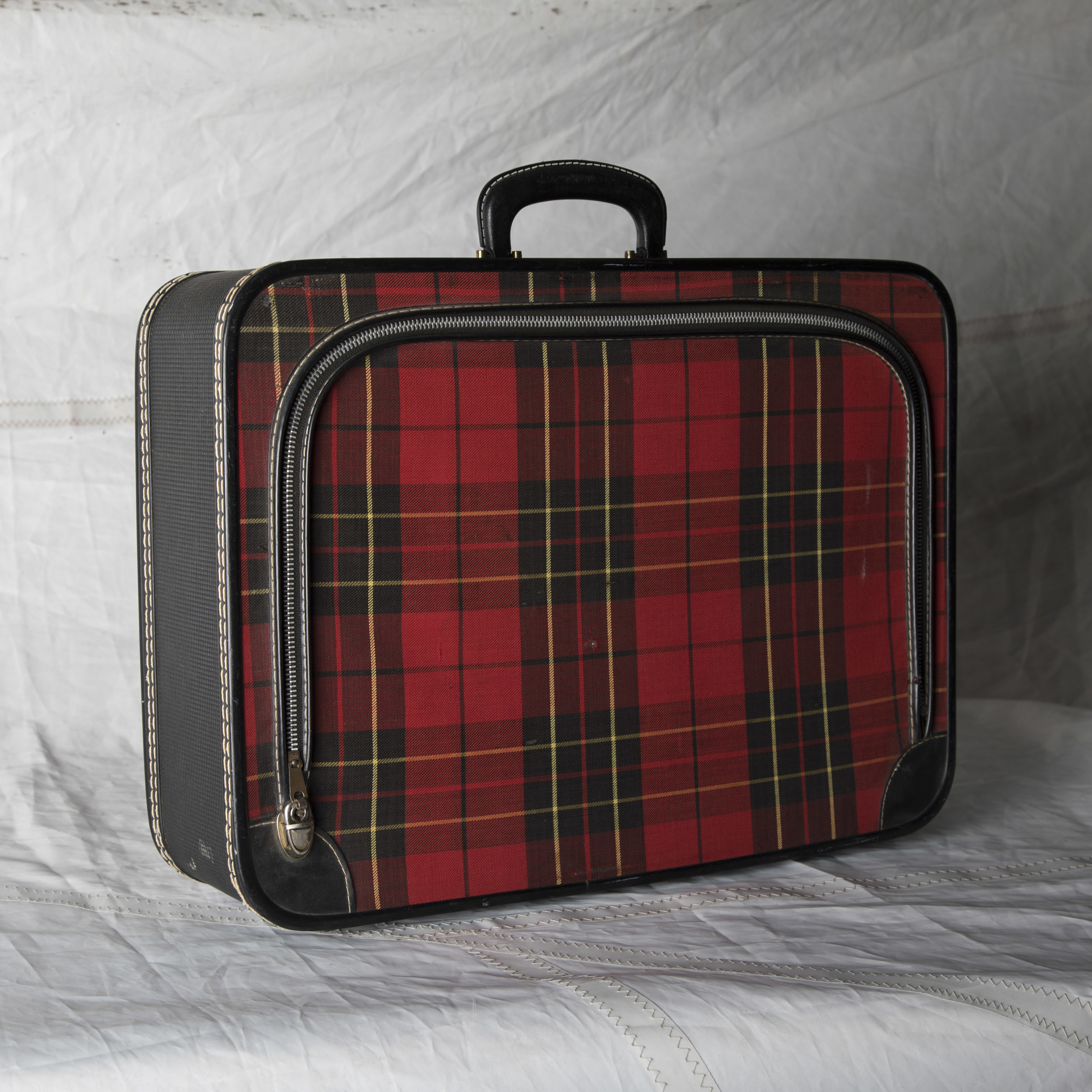 """LUGGAGE 03 BLACK AND RED PLAID SOFT TOP SUITCASE 20.5"""" L x 14.5"""" W x 5"""" D"""