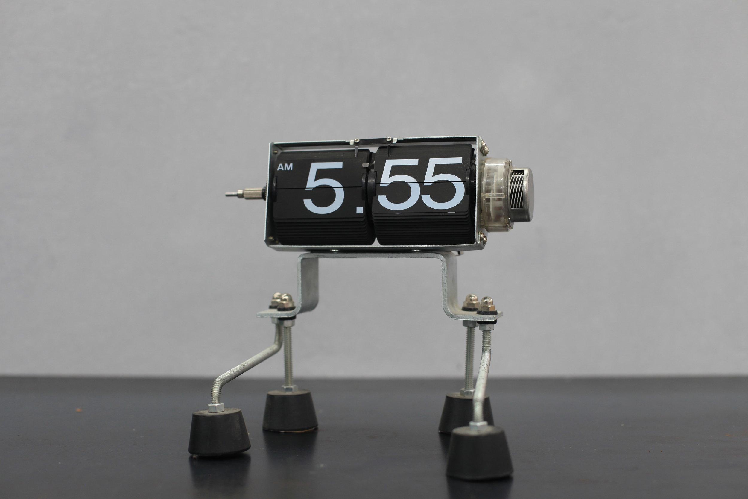 PH-CLOCK-02.JPG