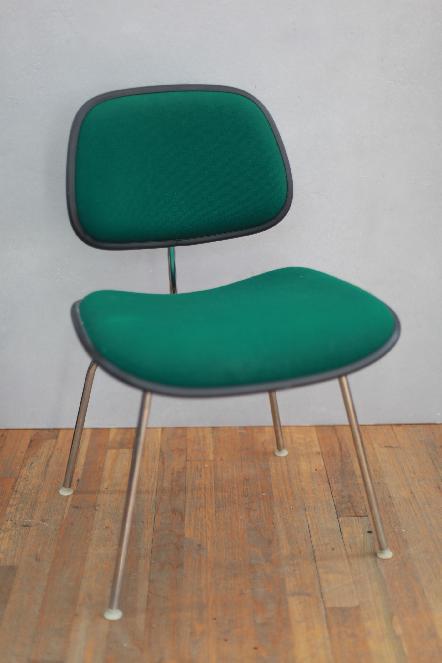 CH122  EAMES UPHOLSTERED EAMES DCM!!!  $250