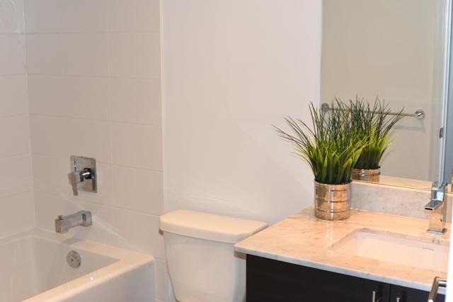 2nd Bathroom2.jpg