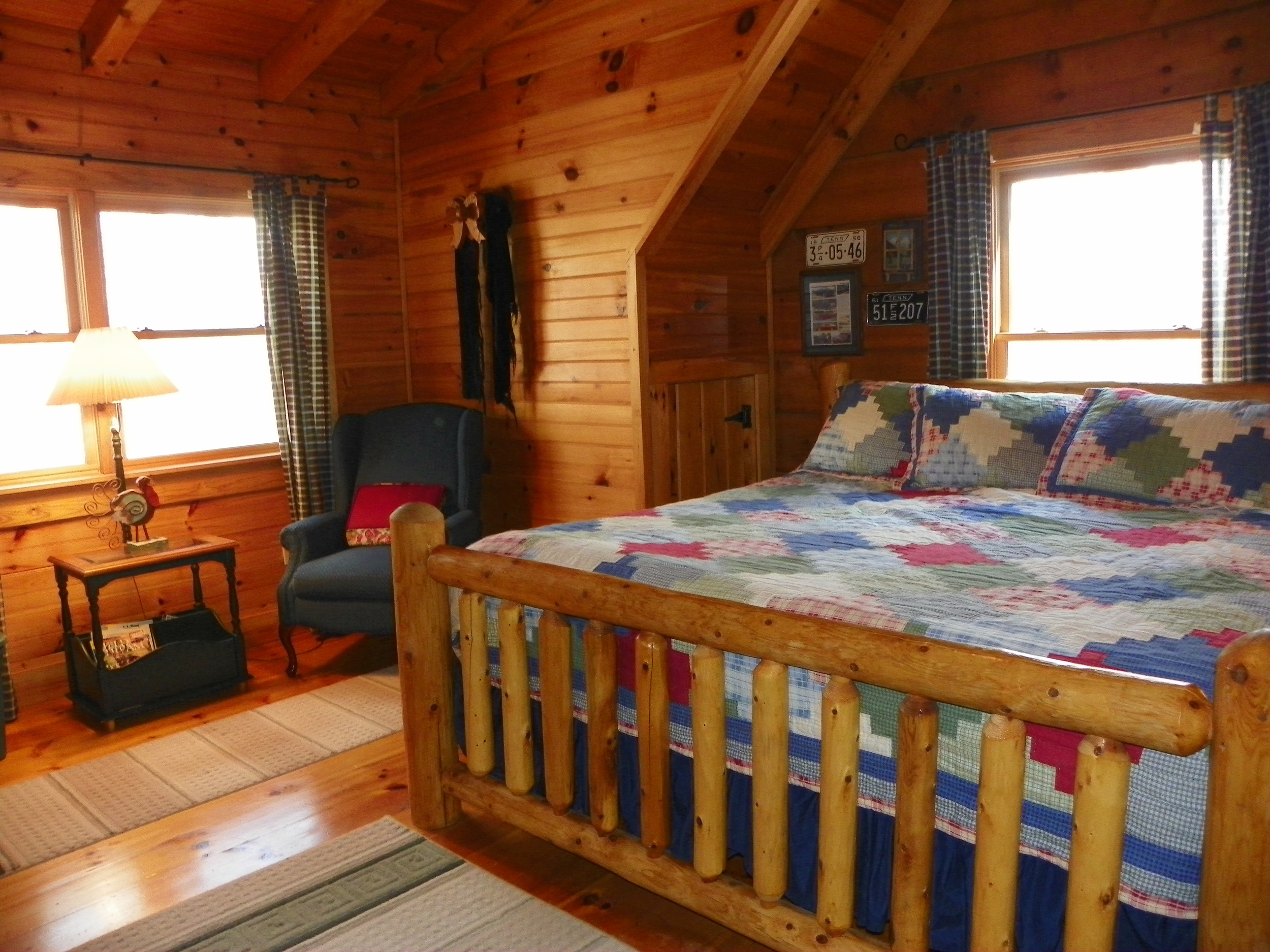 Turkey Scratch upstairs bedroom king size bed
