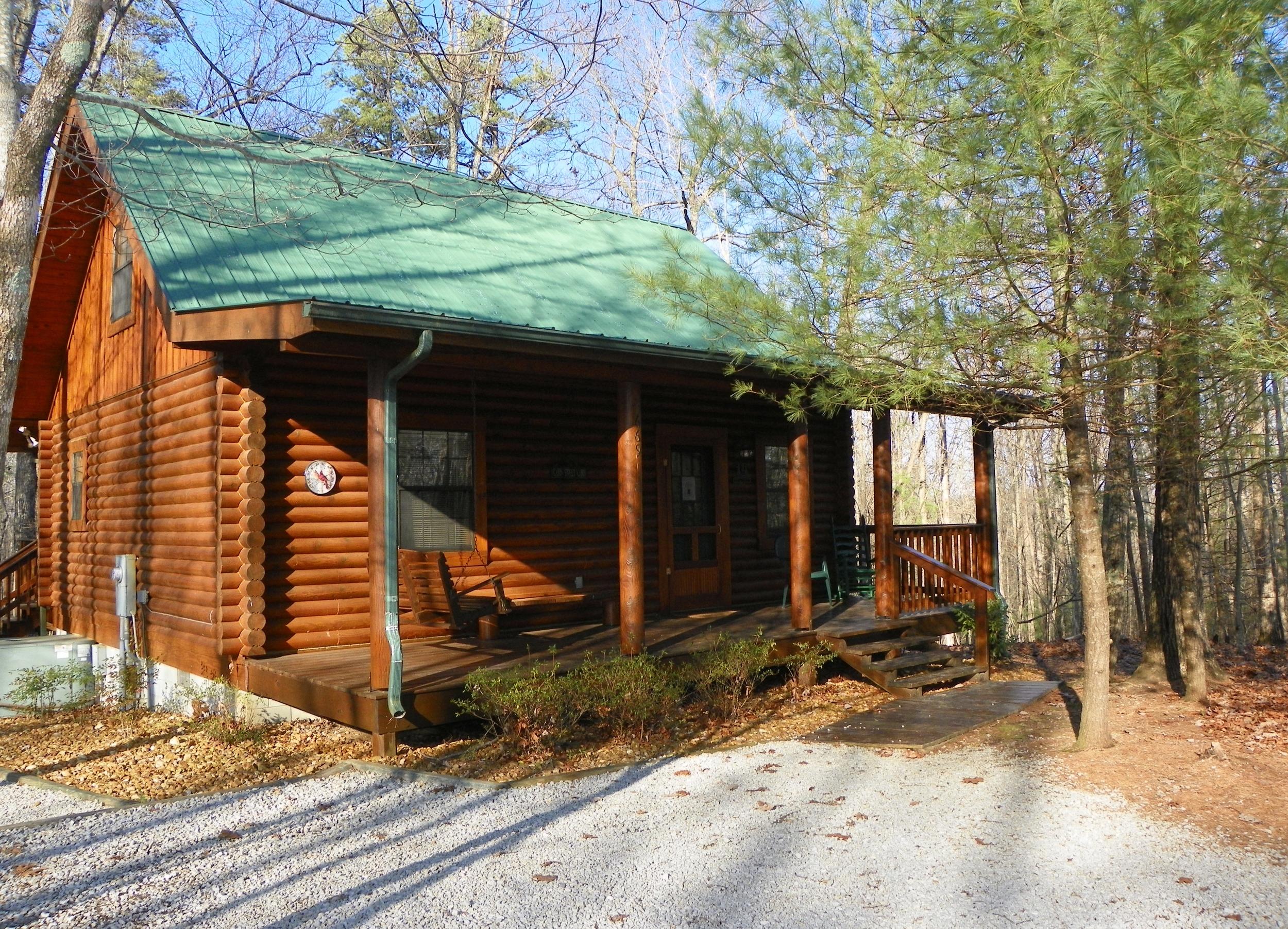 Laurel Place front of cabin