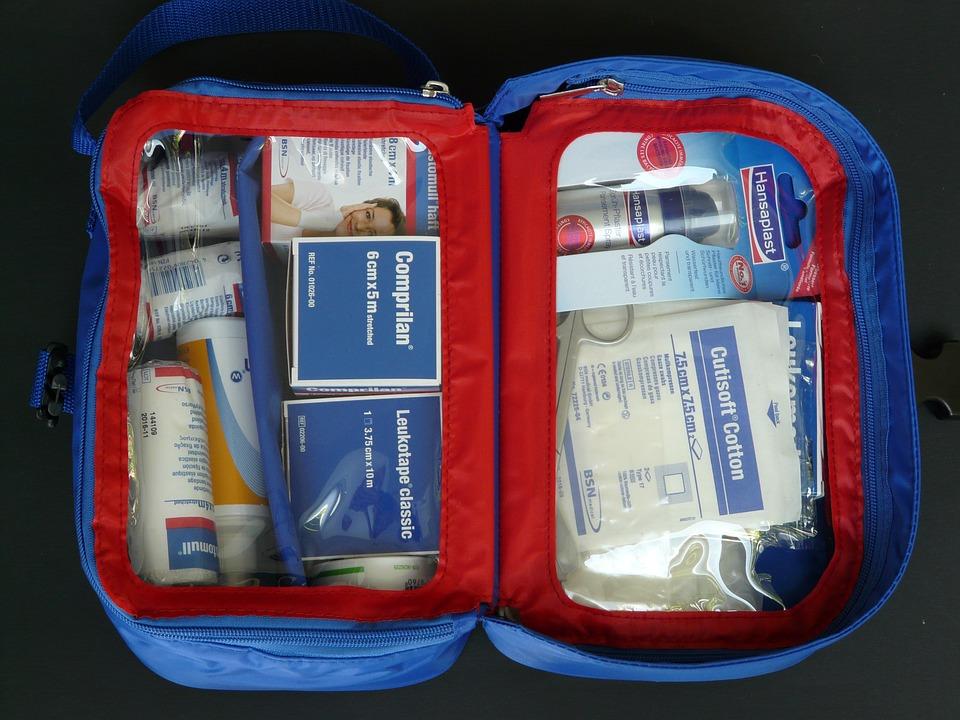 first-aid-kit-59645_960_720.jpg