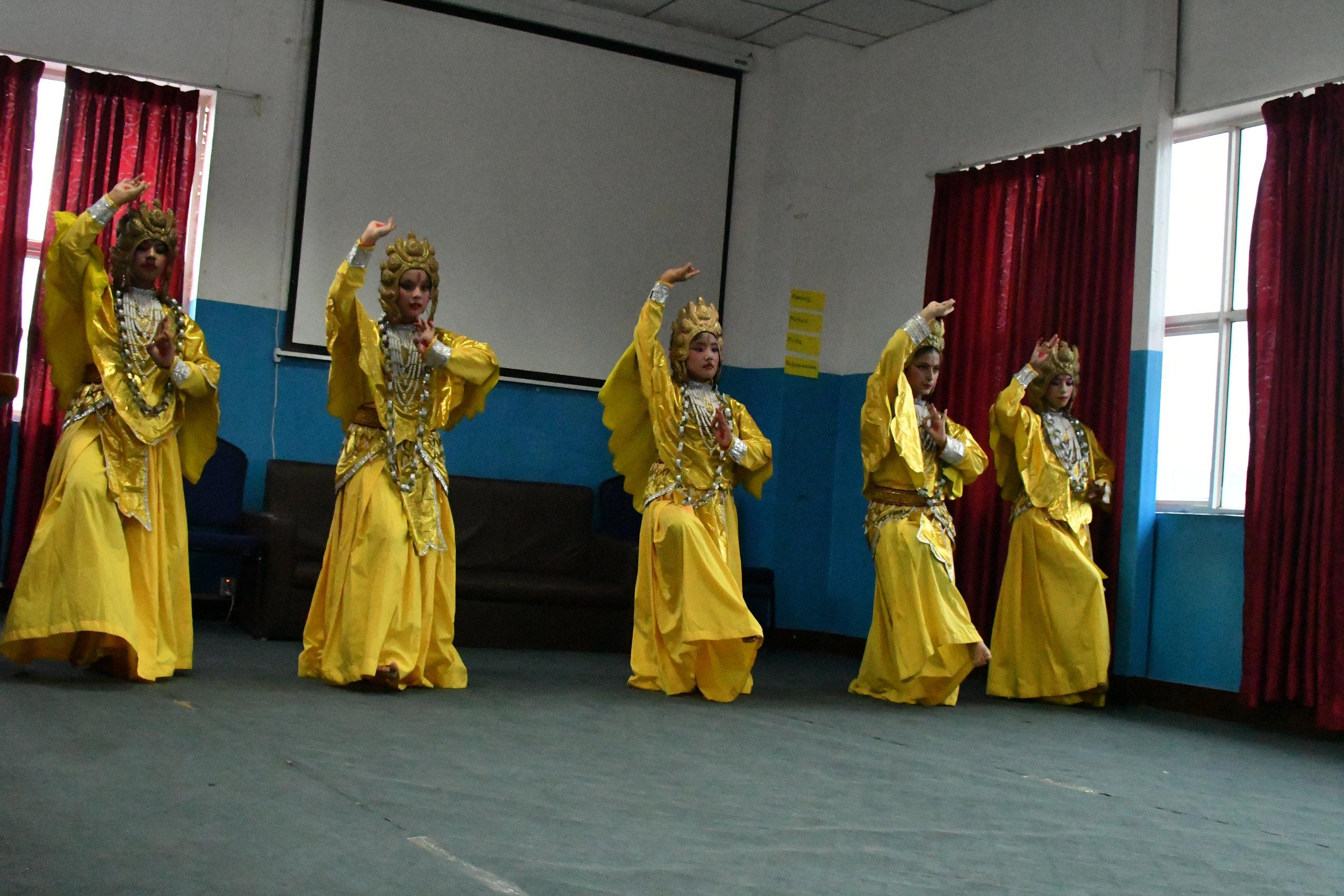 mck nepal 2017 cultural show 1 DSC_4215.jpg