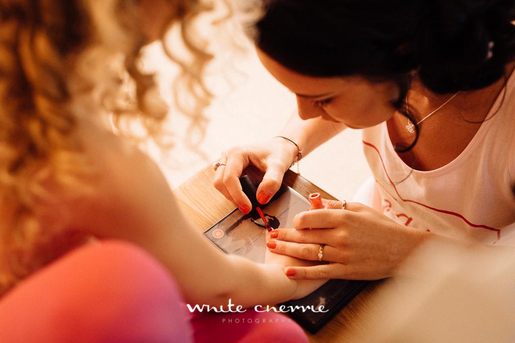 White Cherrie, Edinburgh, Natural, Wedding Photographer, Megan & Davy previews-11.jpg